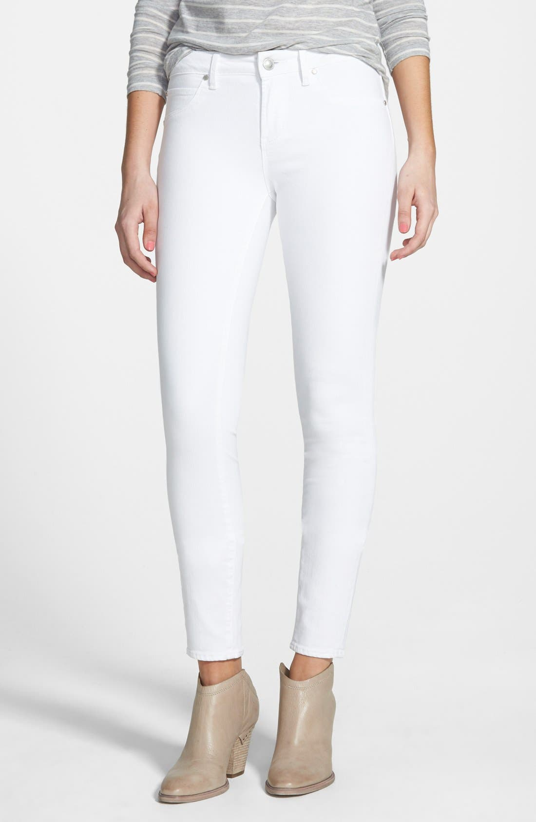 Main Image - Articles of Society 'Sarah' Skinny Jeans (White)