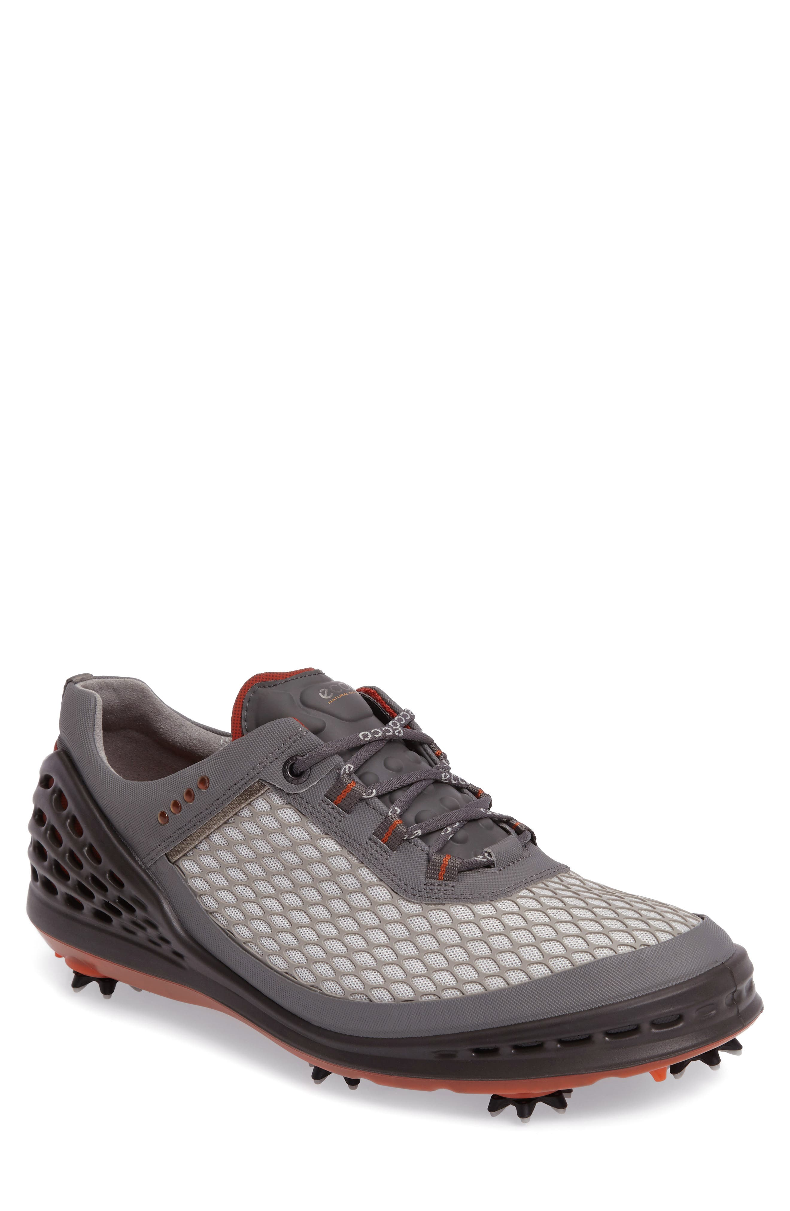 Waterproof Hydromax leather and a modern design define an effective golf shoe set on an innovative SPYDRA-GRIP sole for the solid foundation you need to smooth out your swing.