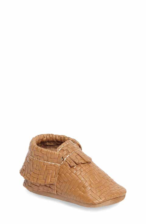 Freshly Picked Woven Moccasin Crib Shoe (Baby   Walker)