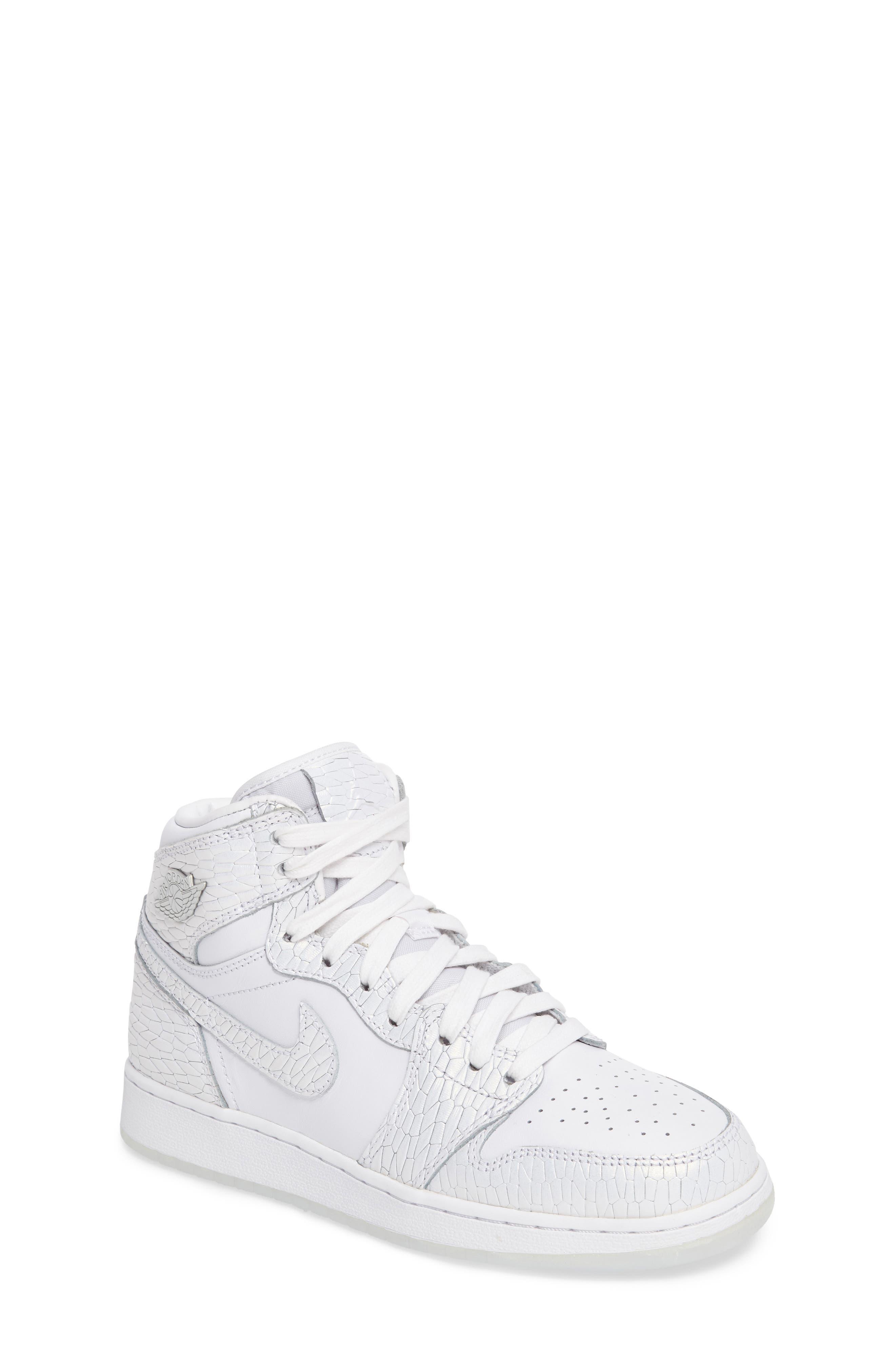 Nike 'Air Jordan 1 Retro' High Top Sneaker (Big Kid)