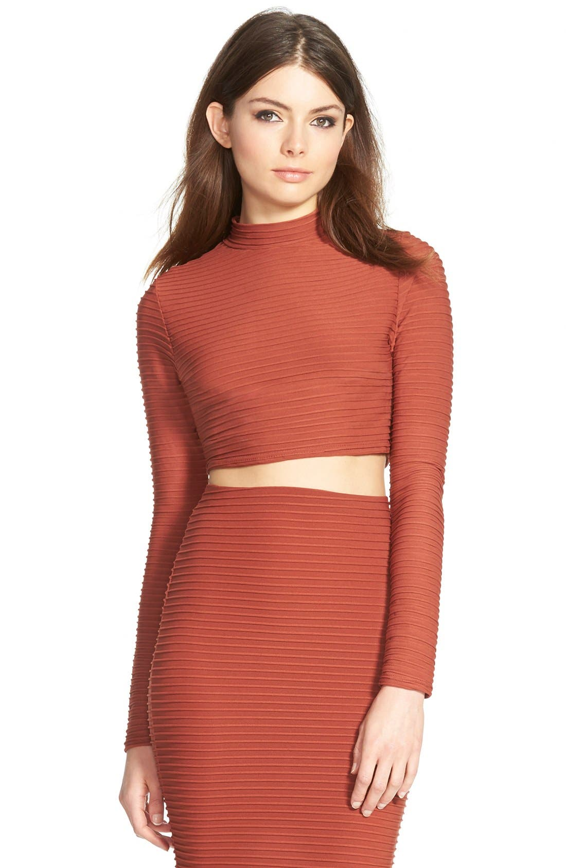 Main Image - Missguided Textured Long Sleeve Crop Top