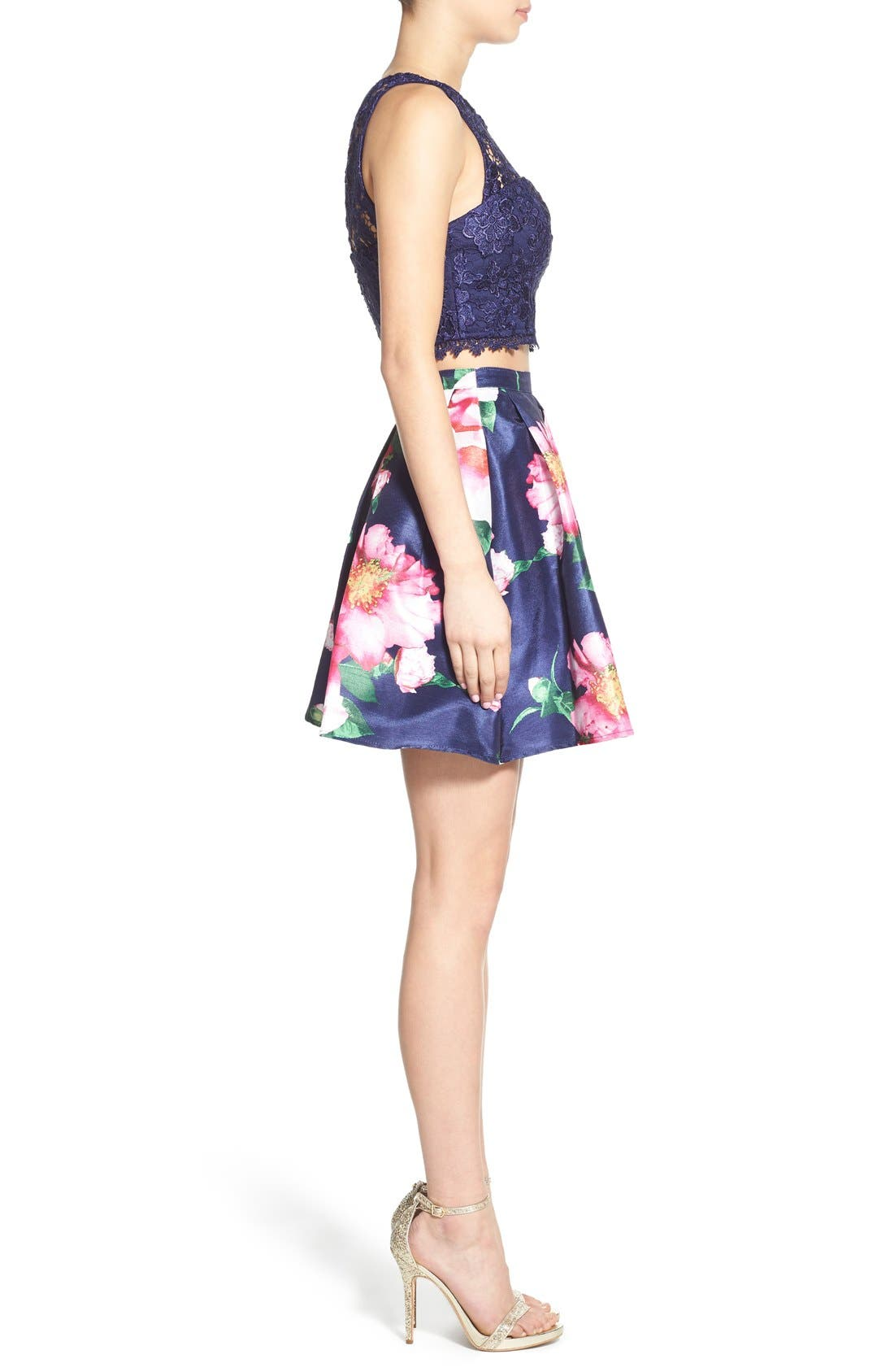Alternate Image 3  - Sequin Hearts Floral Print Lace Two-Piece Dress