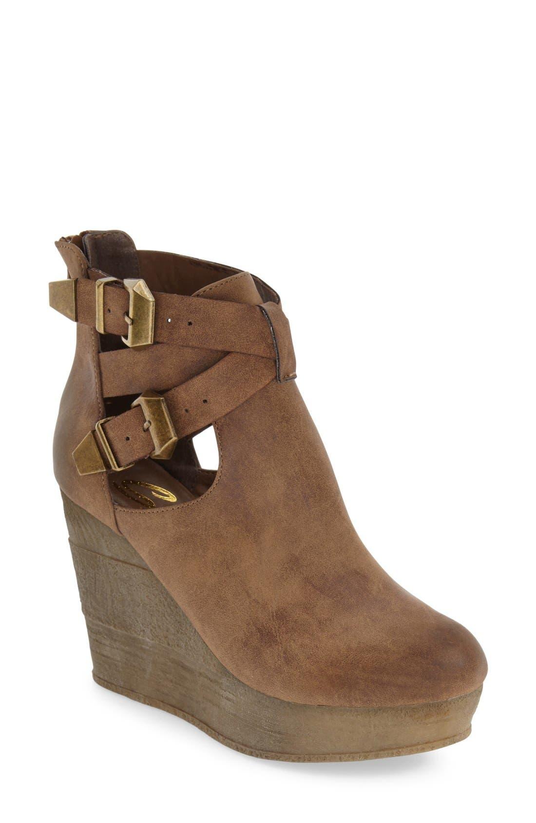 Main Image - Sbicca 'Javiera' Platform Wedge Bootie (Women)
