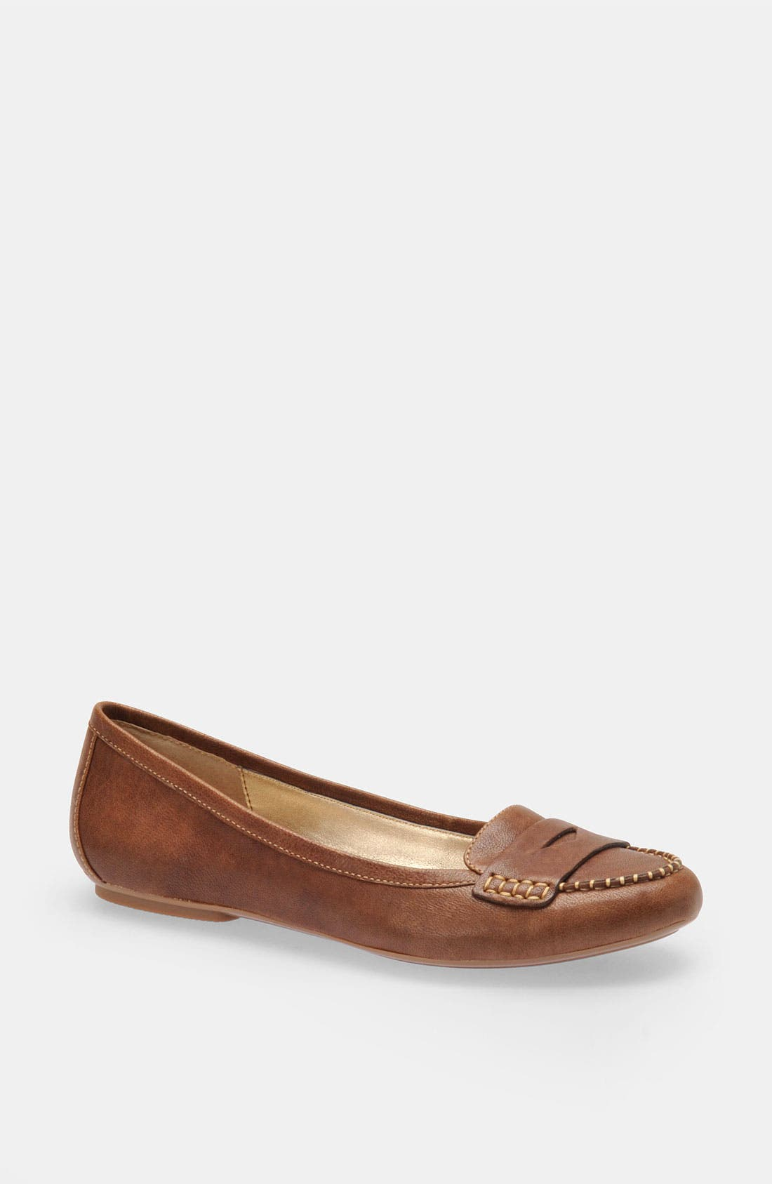 Alternate Image 1 Selected - Söfft 'Cecille' Flat Moccasin
