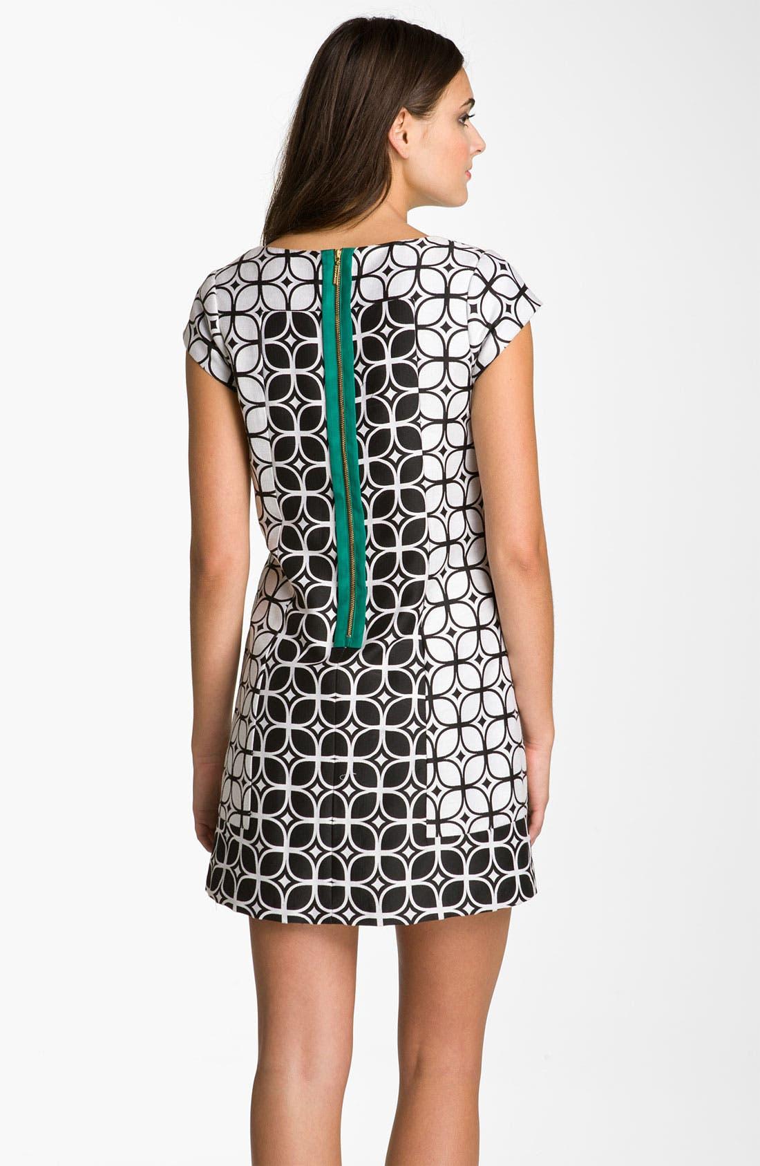 Alternate Image 2  - Donna Ricco Contrast Zip Jacquard Shift Dress (Petite)