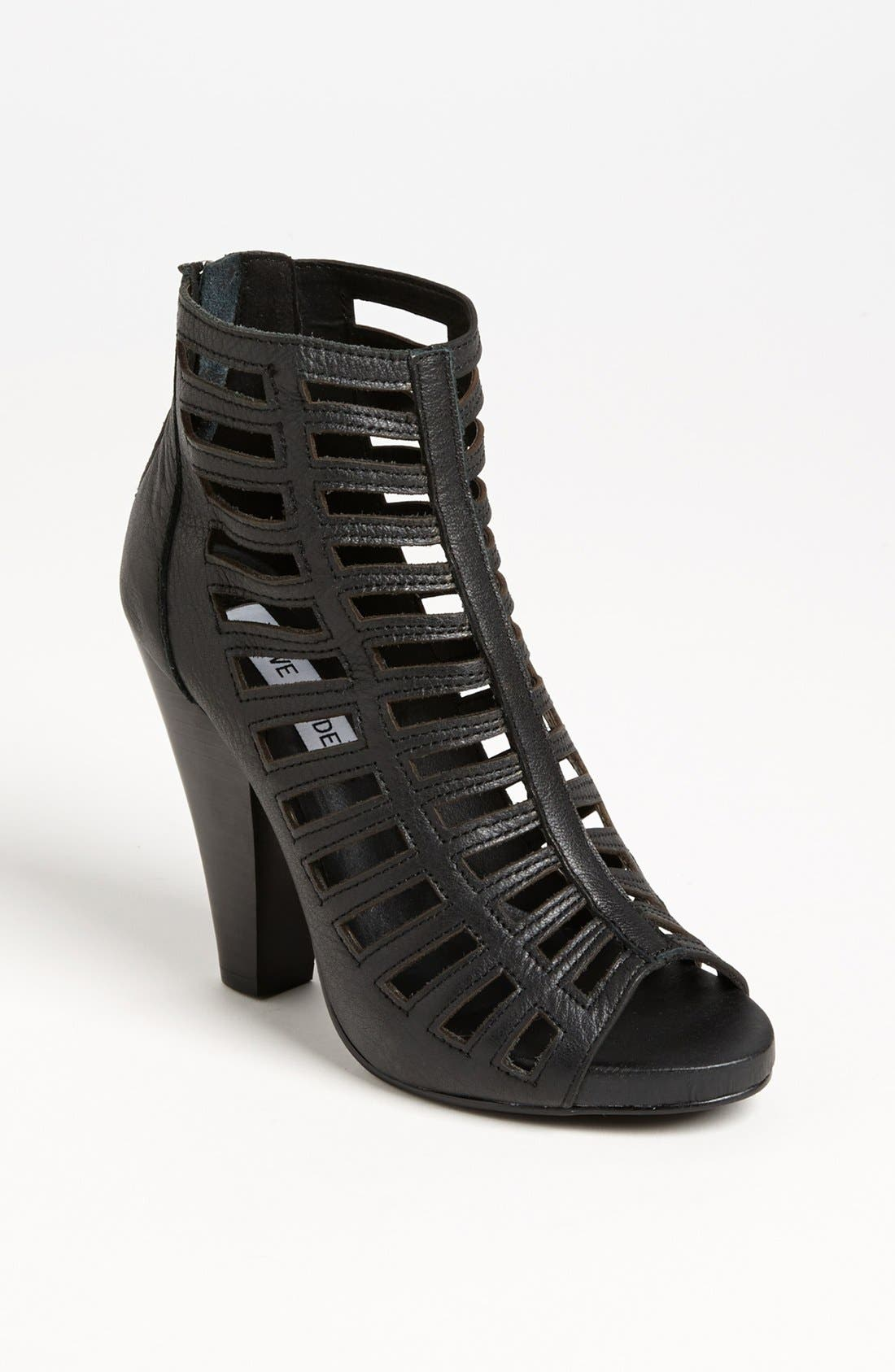 Alternate Image 1 Selected - Steve Madden 'Alexxia' Bootie