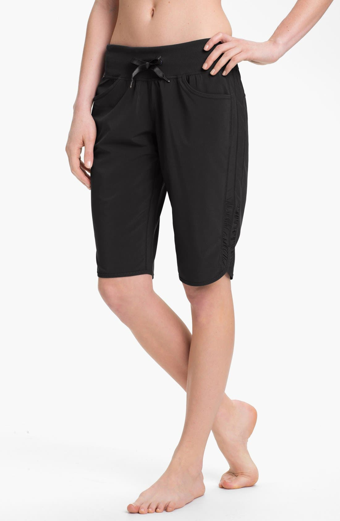 Alternate Image 1 Selected - Zella 'City' Shorts (Online Only)