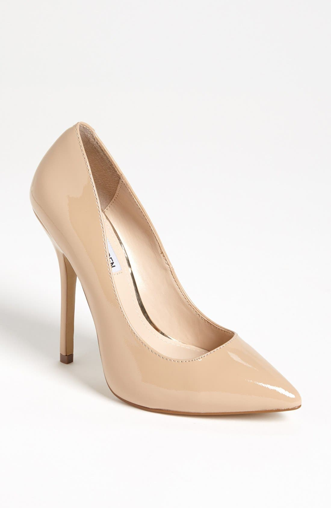 Alternate Image 1 Selected - Steve Madden 'Darrt' Pump
