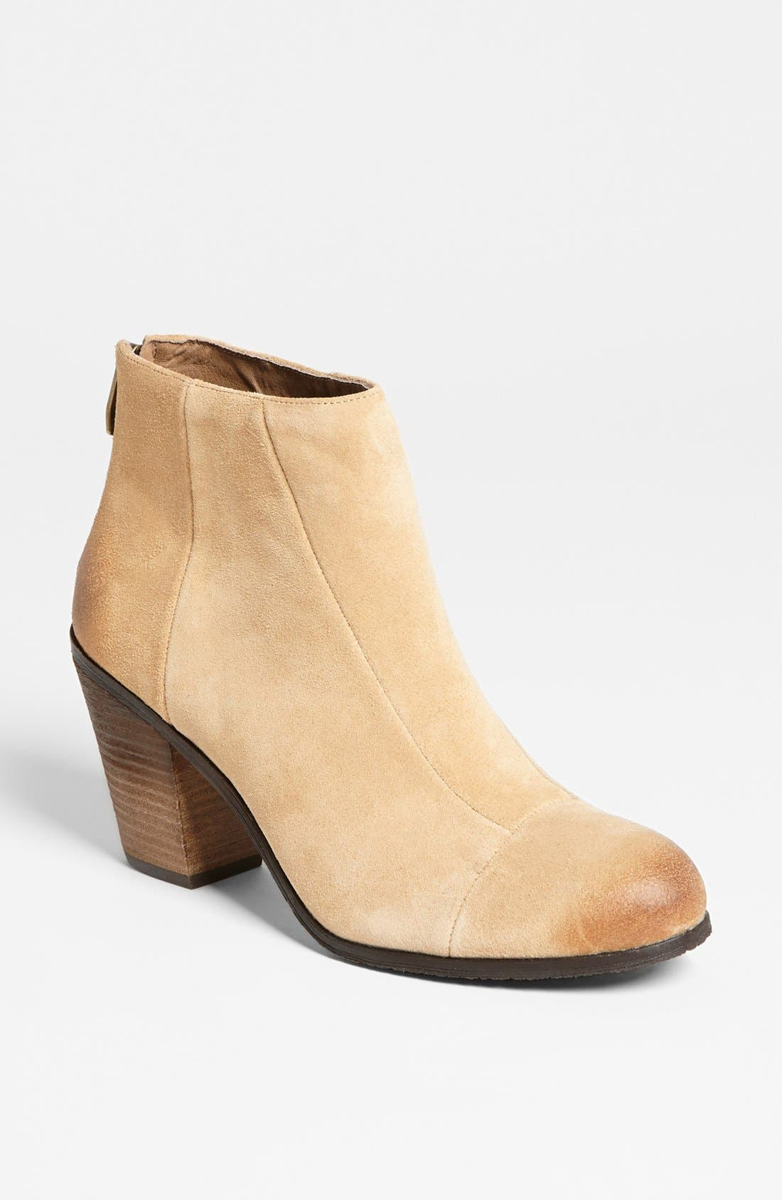 Alternate Image 1 Selected - Vince Camuto 'Grayson' Bootie