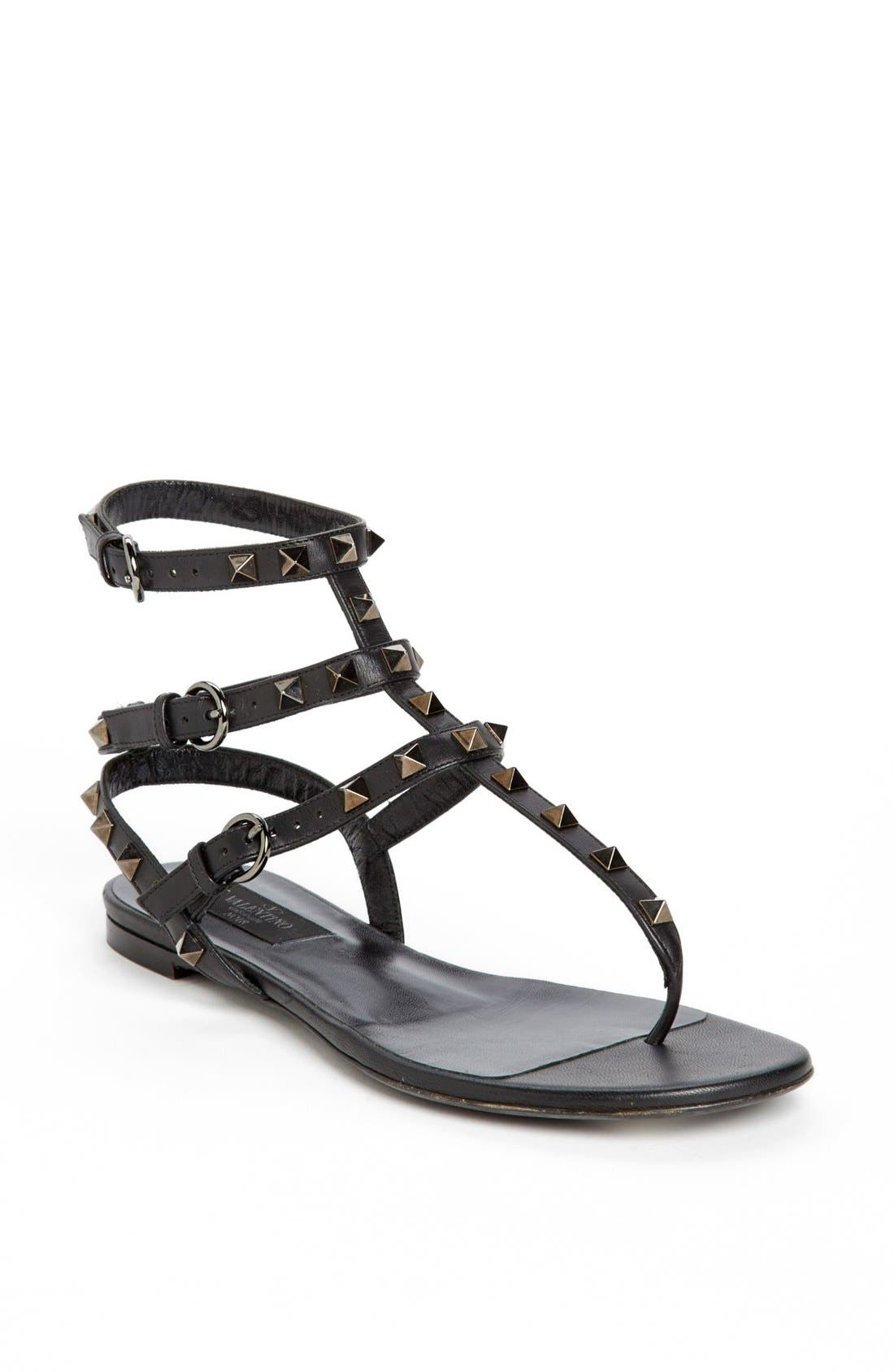 Main Image - Valentino 'Noir Rockstud' Thong Sandal