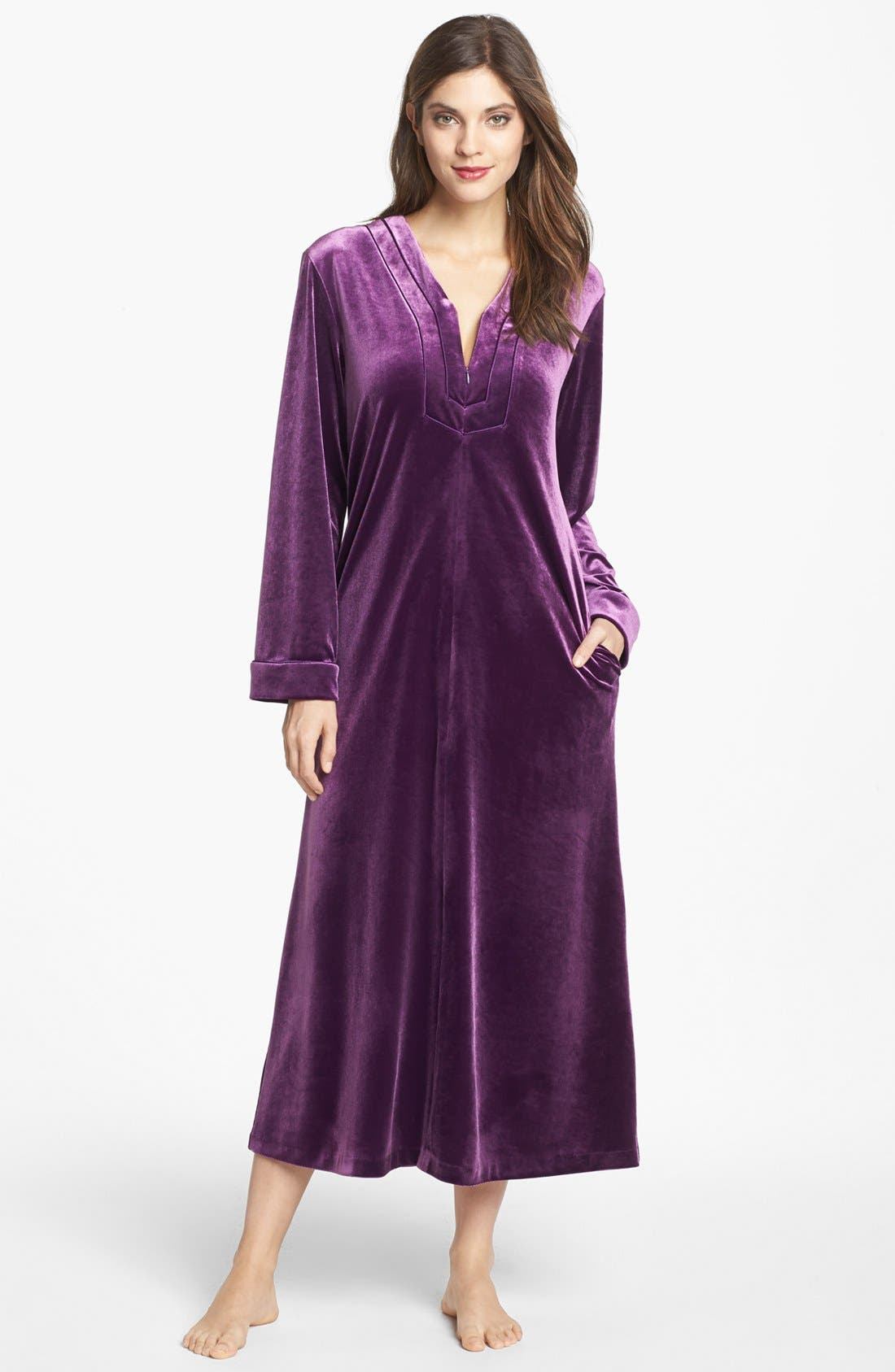 Alternate Image 1 Selected - Oscar de la Renta Sleepwear 'Zahara Nights' Zip Front Velvet Robe