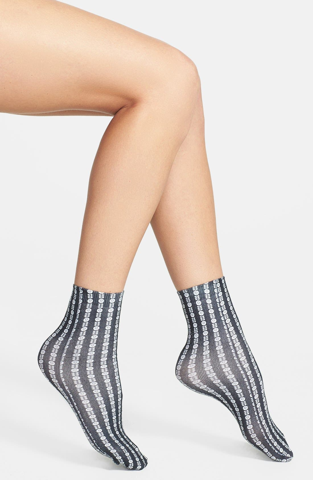 Main Image - Free People 'Molly' Ankle Socks