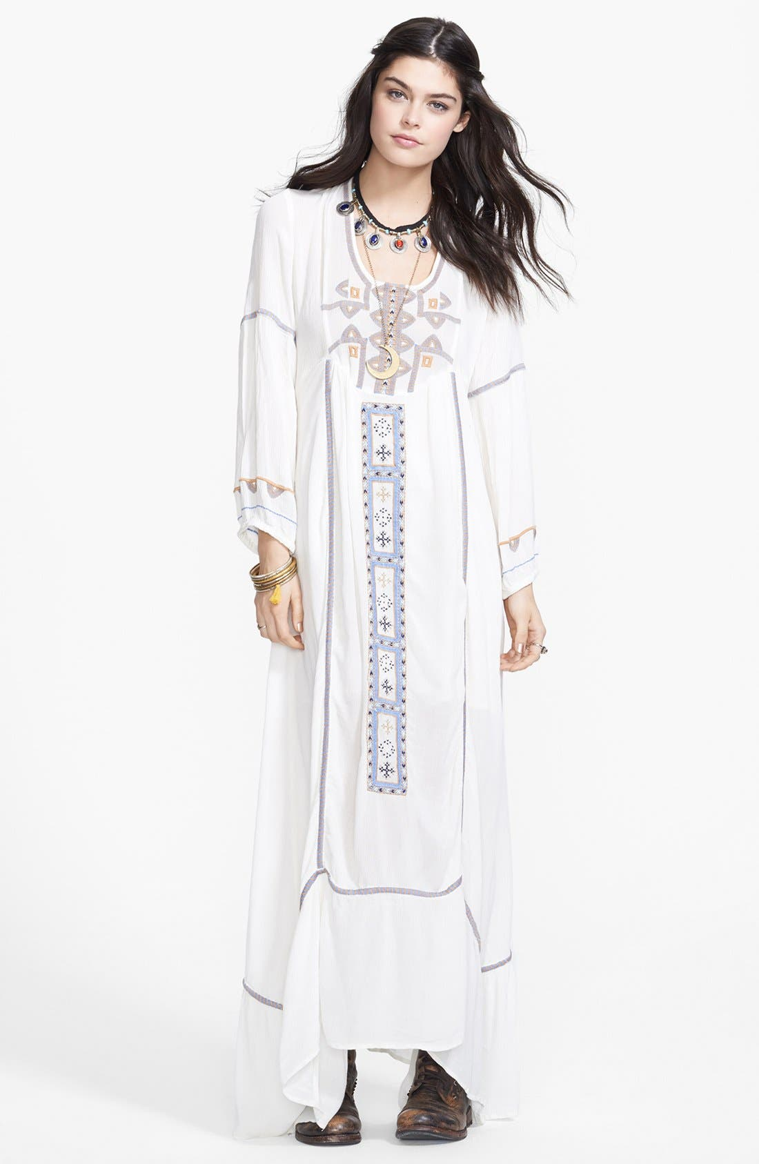 Main Image - Free People 'Desert Winds' Embroidered Maxi Dress
