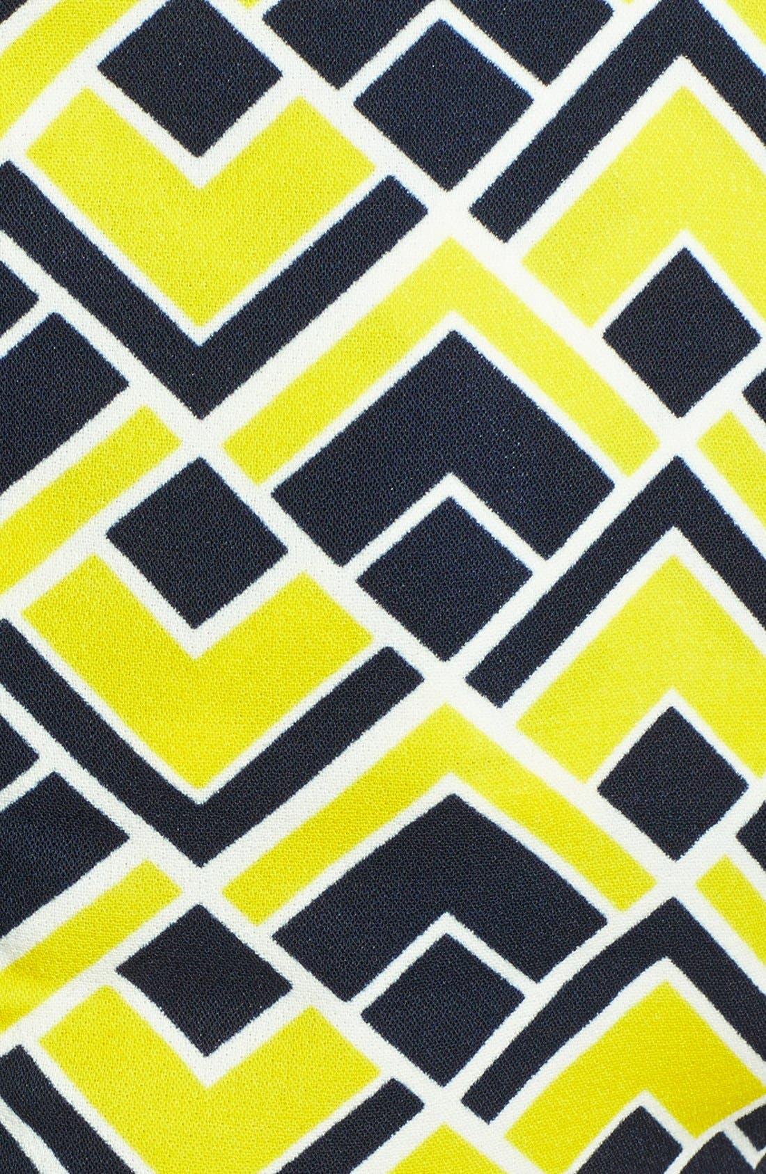 Alternate Image 3  - JOA Geometric Print Crop Shell