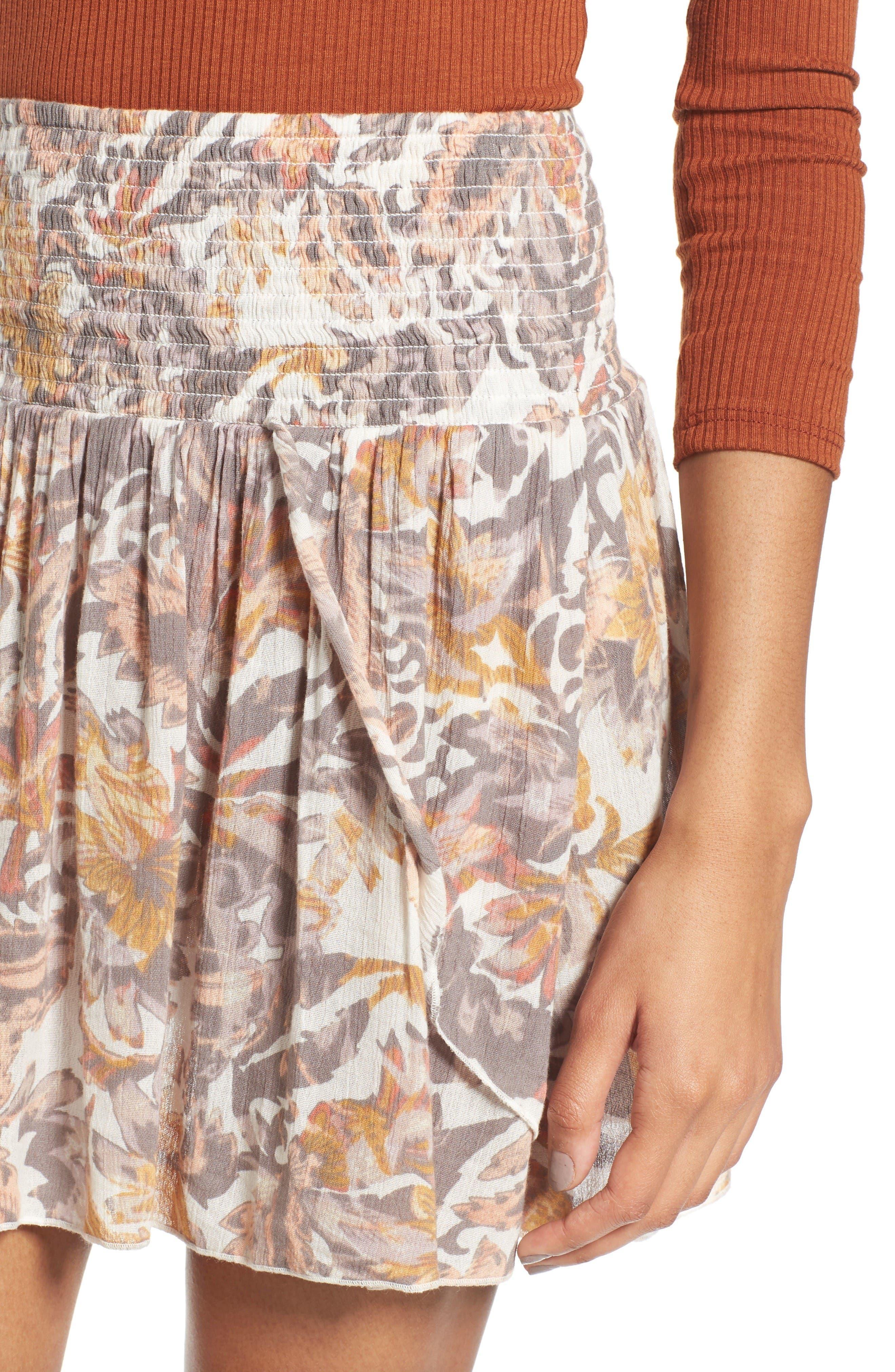 Alternate Image 4  - Sun & Shadow Print Smocked Waist Skirt
