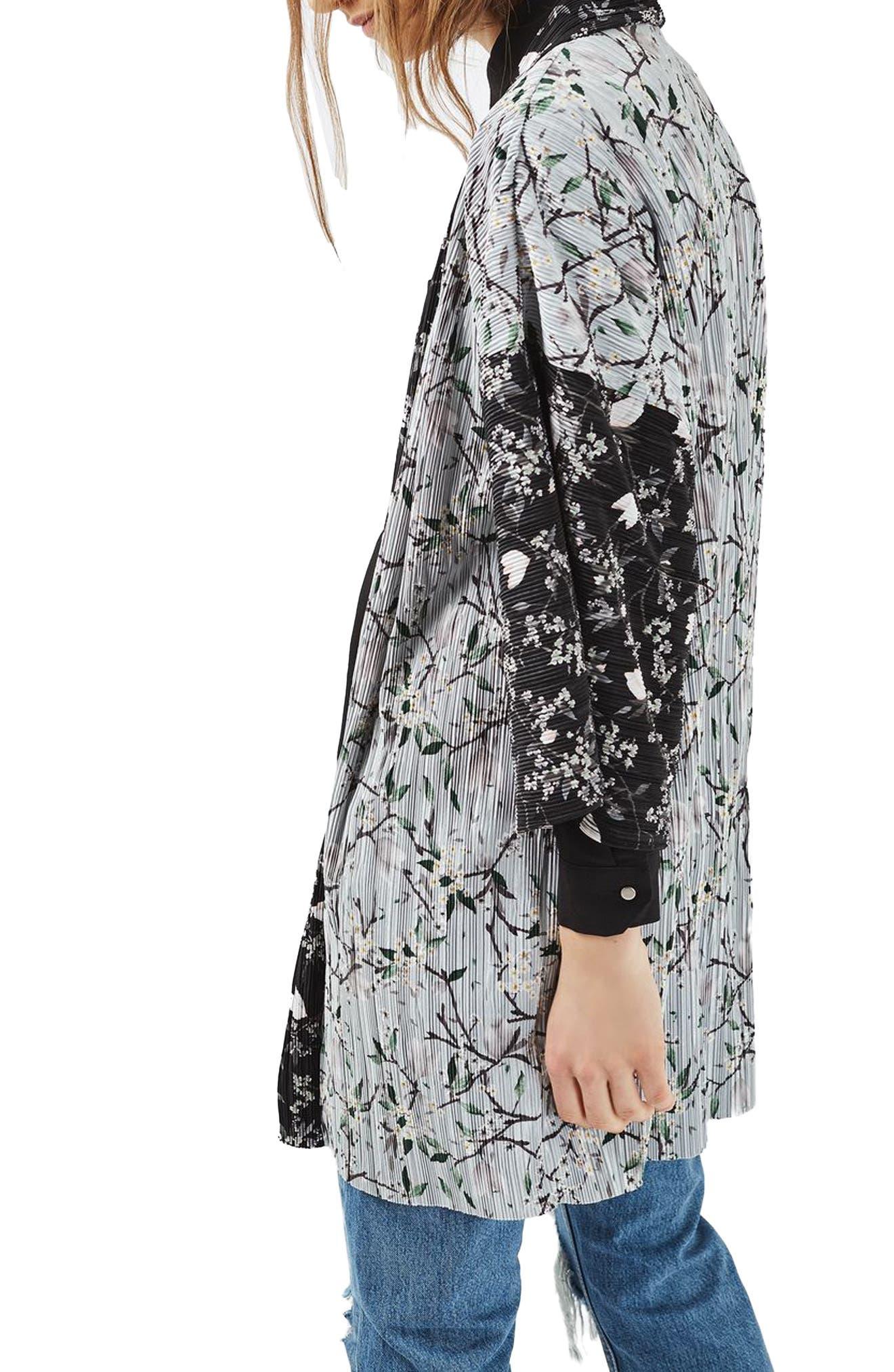 Alternate Image 3  - Topshop Print Plissé Kimono