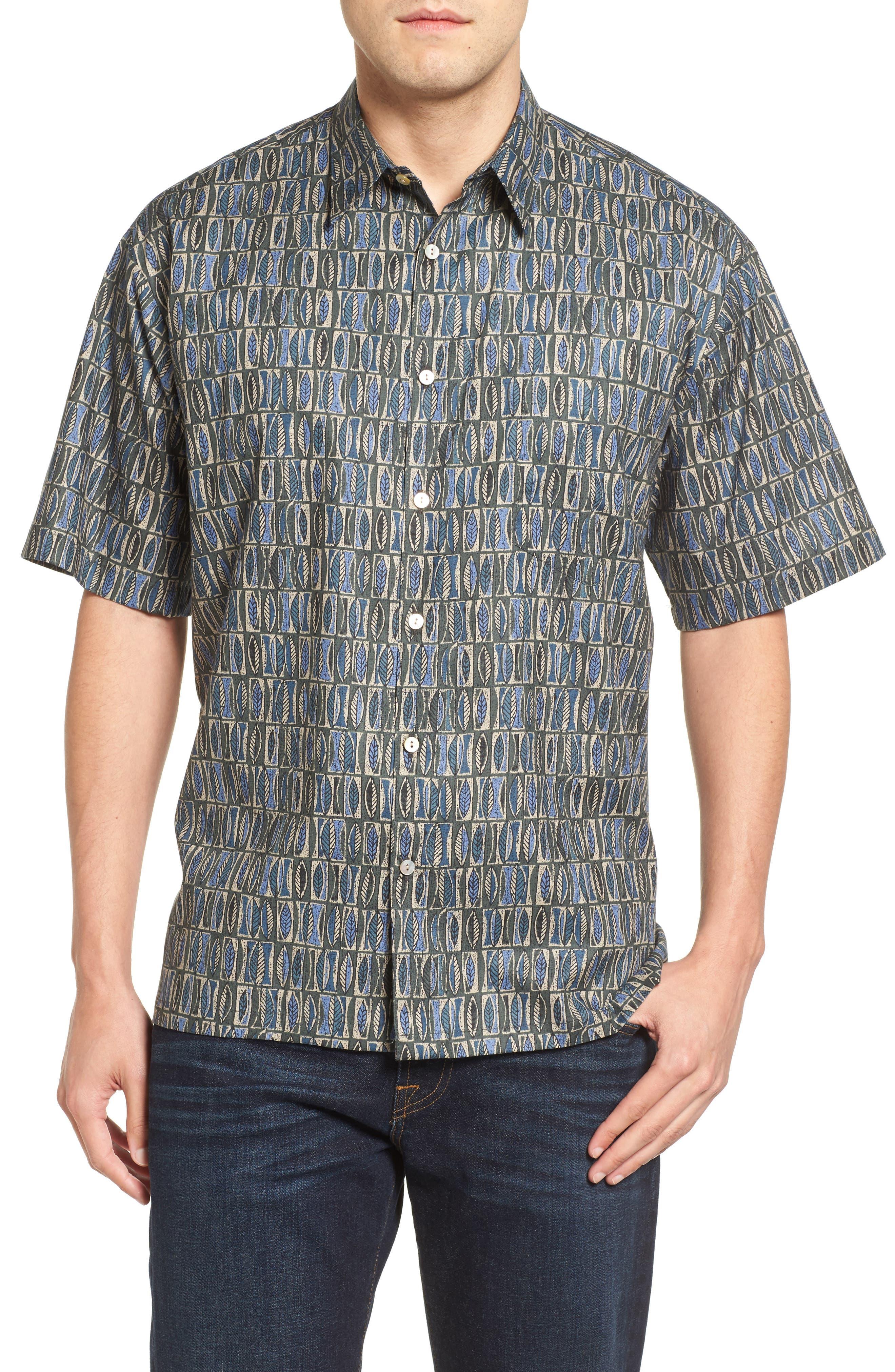 Tori Richard Perspectives Short Sleeve Classic Fit Sport Shirt