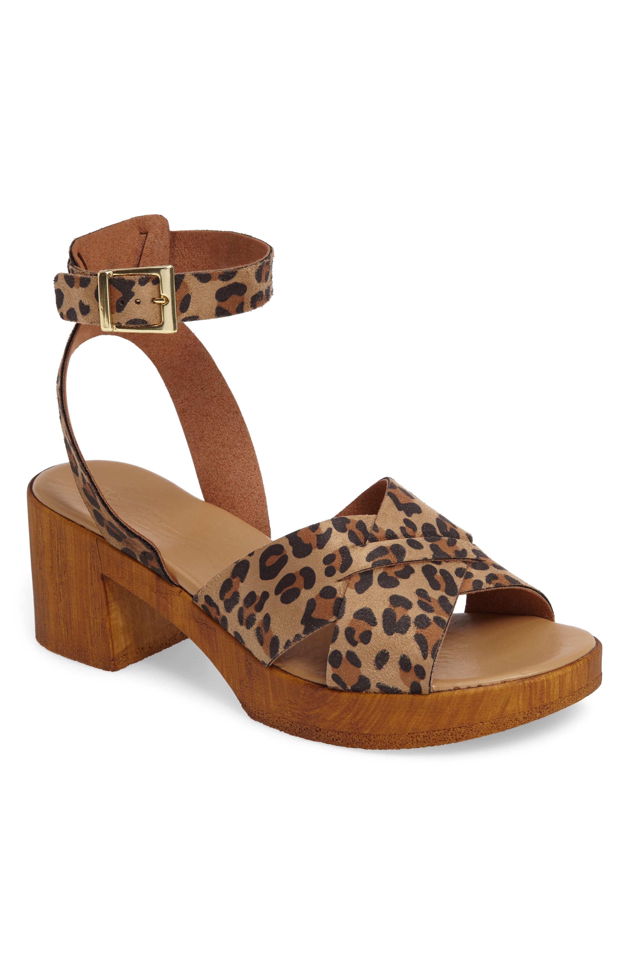 Main Image - Topshop Dolly Block Heel Sandal (Women)