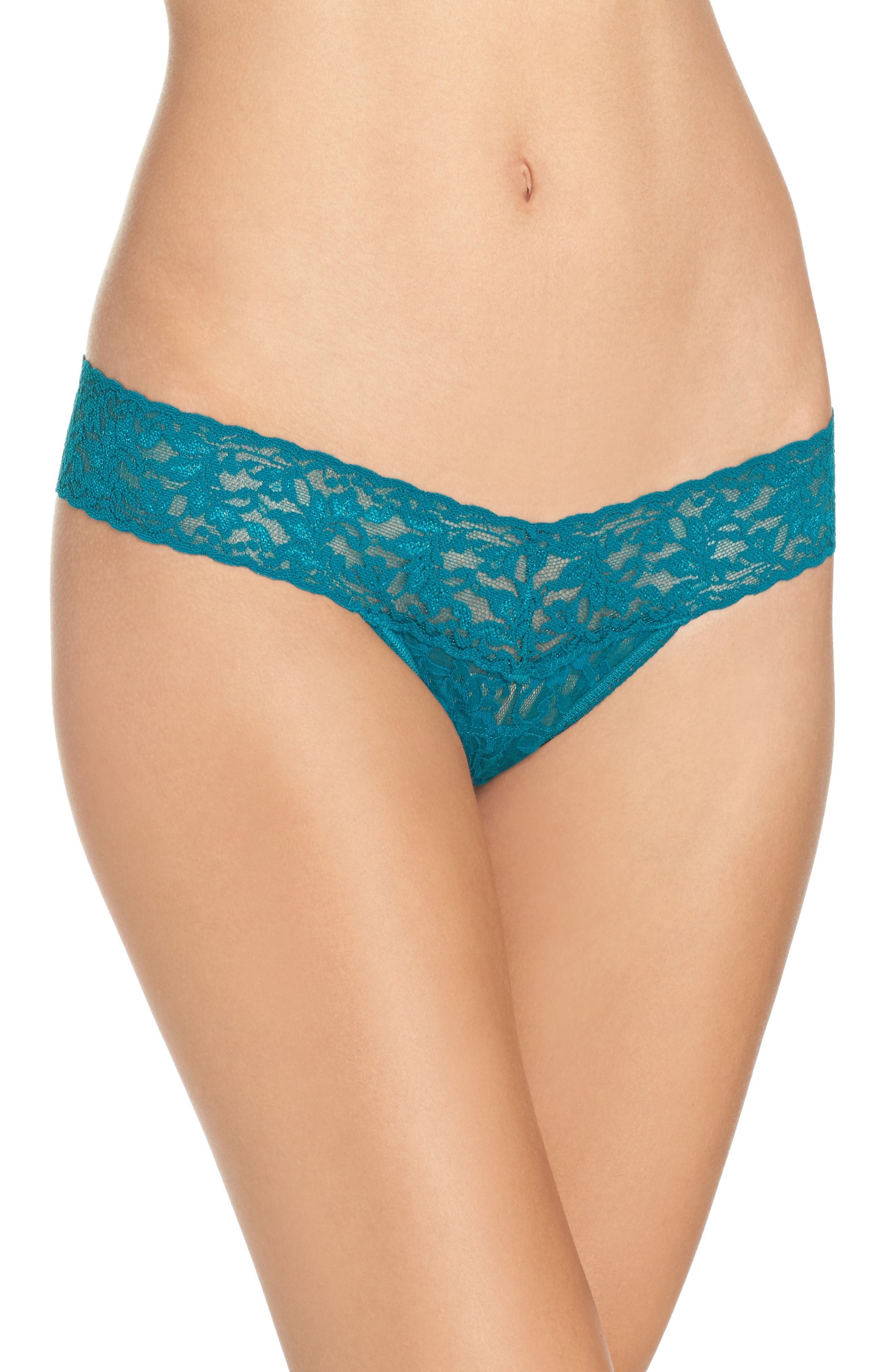 Main Image - Hanky Panky Signature Lace Low Rise Thong