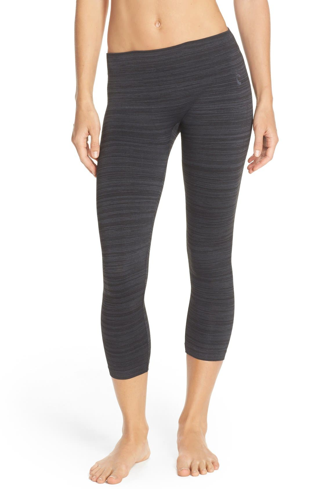 CLIMAWEAR 'Catch a Glimpse' Cutout Crop Leggings