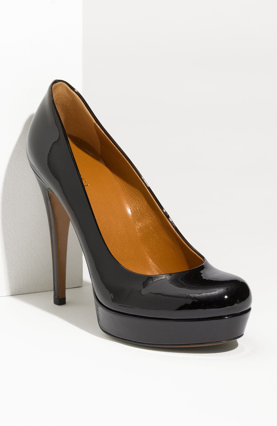 Alternate Image 1 Selected - Gucci 'Betty' Platform Pump