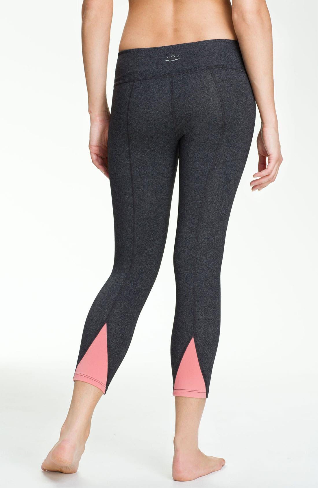 Main Image - Beyond Yoga 'Pop Triangle' Leggings