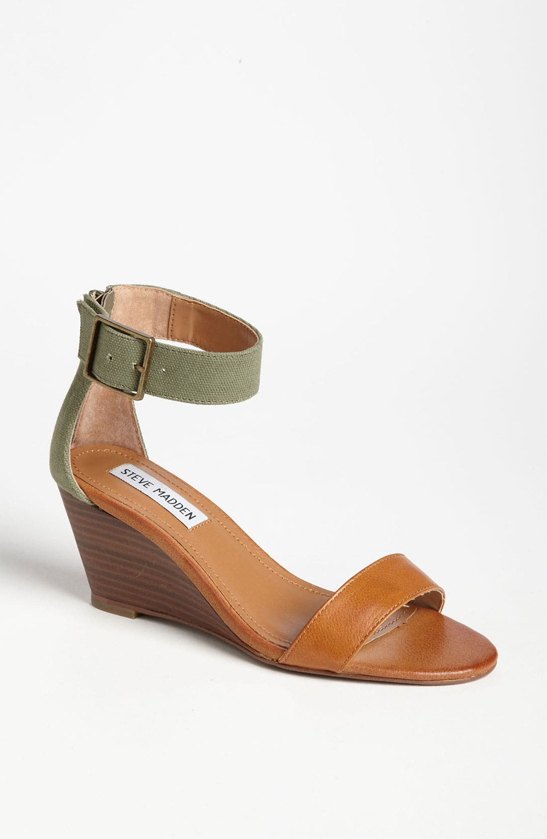 Alternate Image 1 Selected - Steve Madden 'Nanncy' Sandal