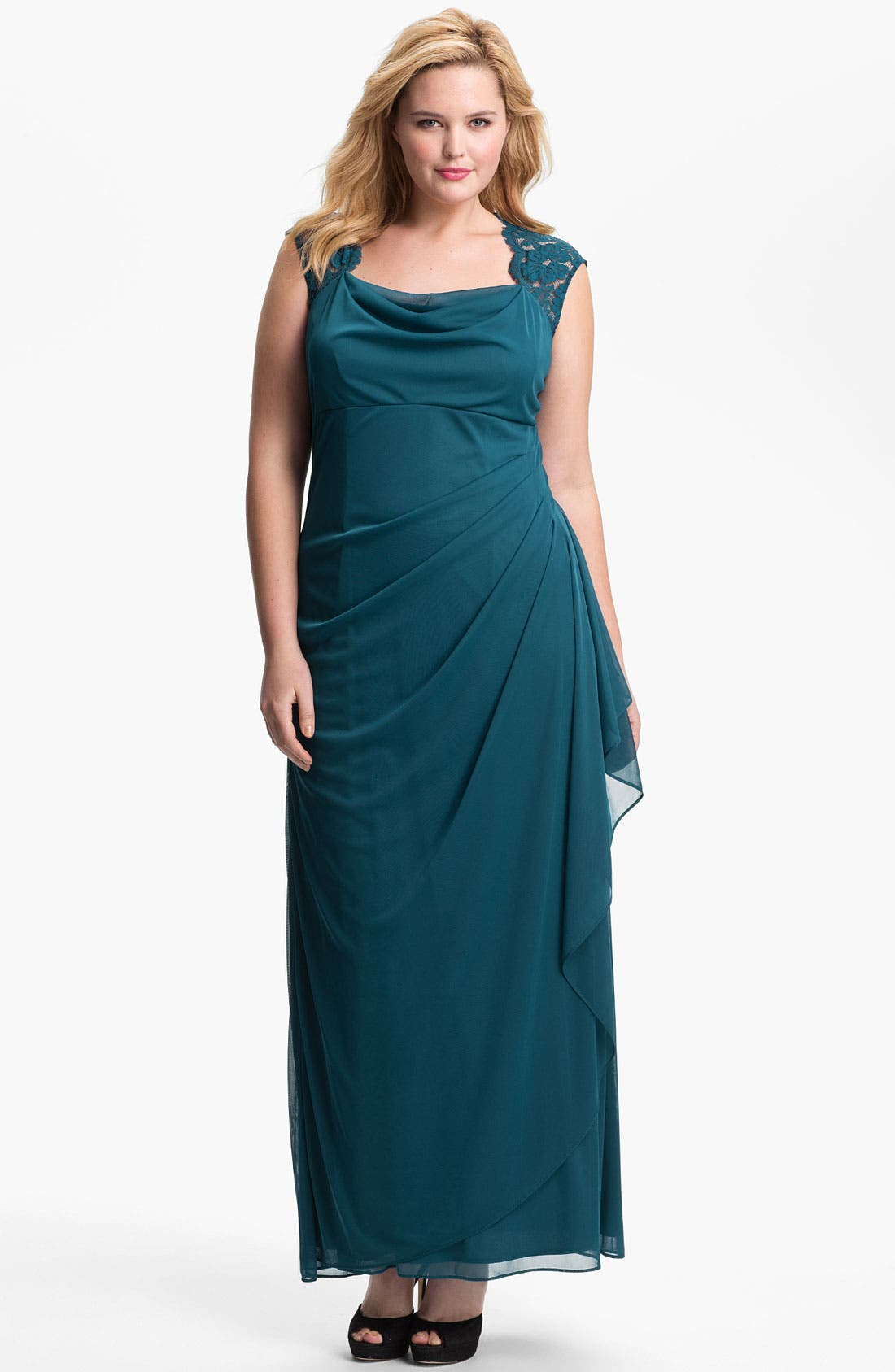 Main Image - Xscape Lace Shoulder Gown (Plus Size) (Online Only)