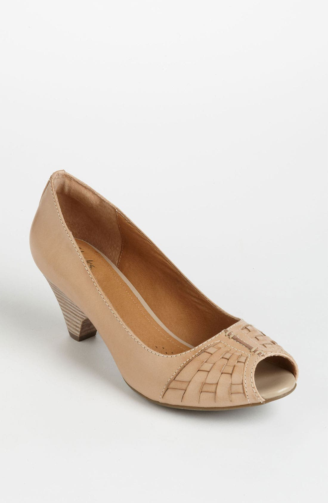 Alternate Image 1 Selected - Clarks® 'Zaya Path' Pump (Online Only)