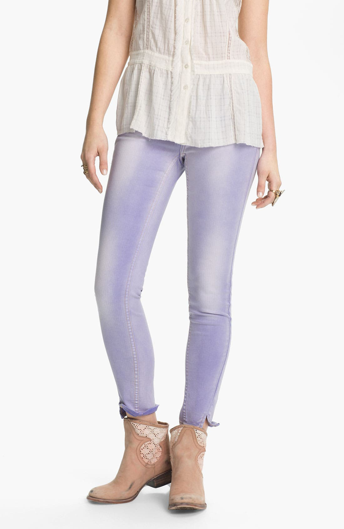 Main Image - Free People Crop Stretch Denim Skinny Jeans (Clements Blue)