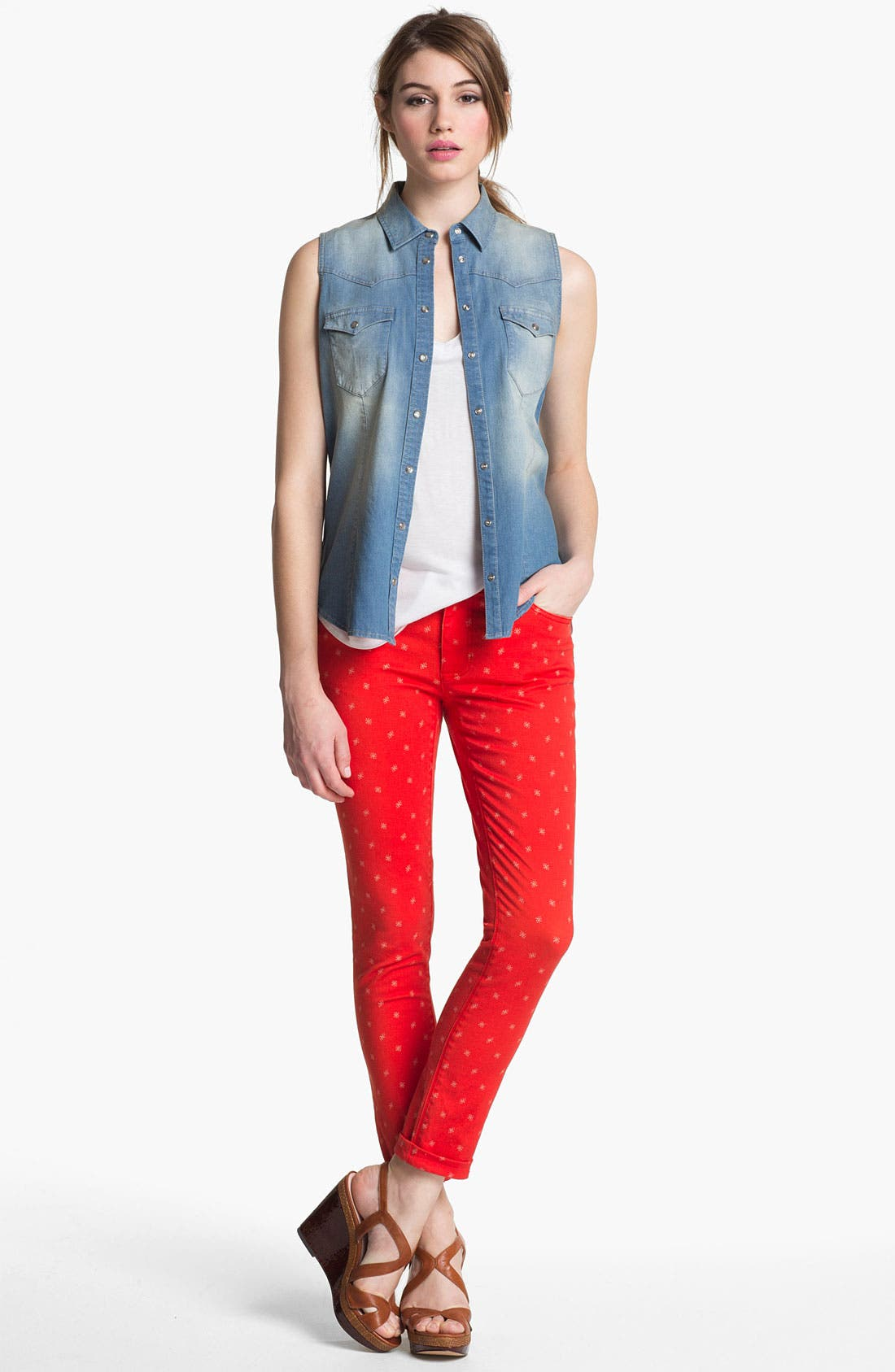 Alternate Image 4  - Two by Vince Camuto Sleeveless Chambray Shirt