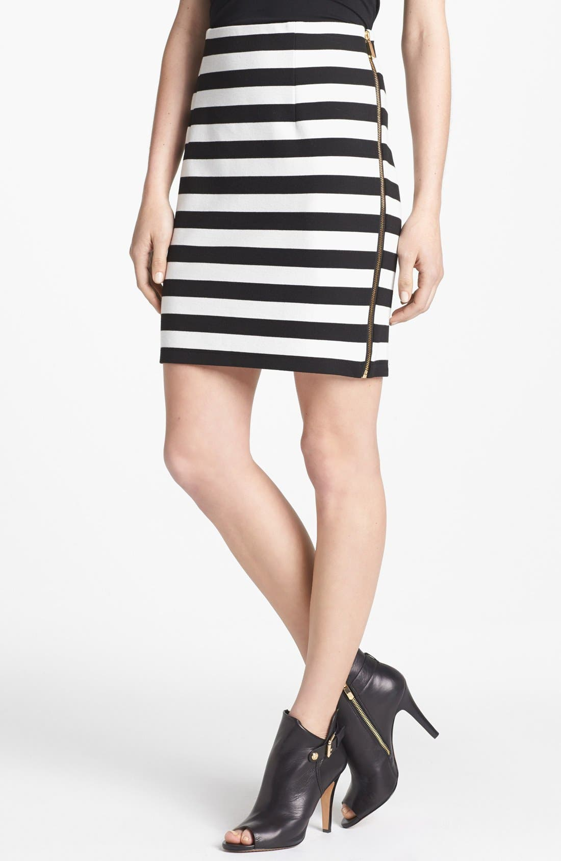 Main Image - Vince Camuto Side Zip Pencil Skirt