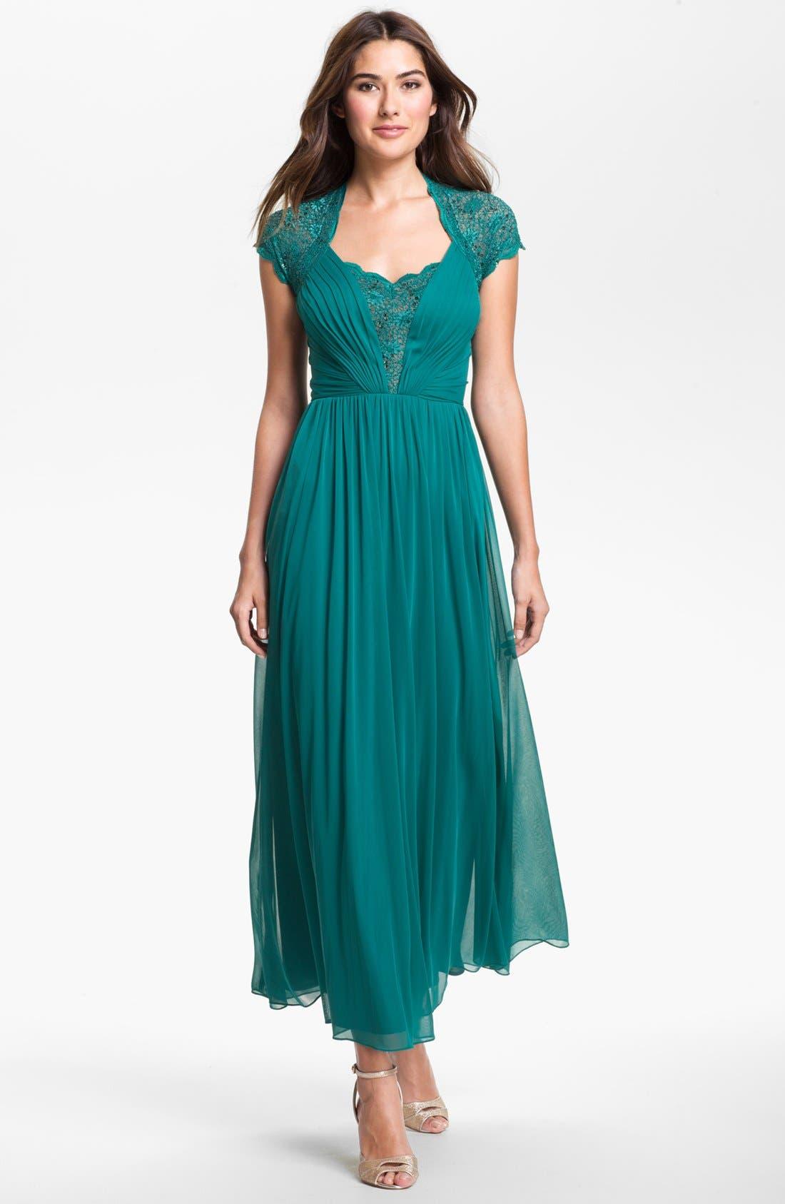 Main Image - Alex Evenings Lace Appliqué & Pleated Mesh Gown (Petite)