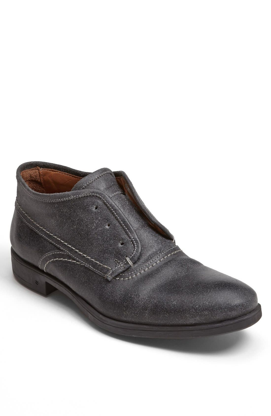 Main Image - John Varvatos Collection 'Dylan' Laceless Chukka Boot