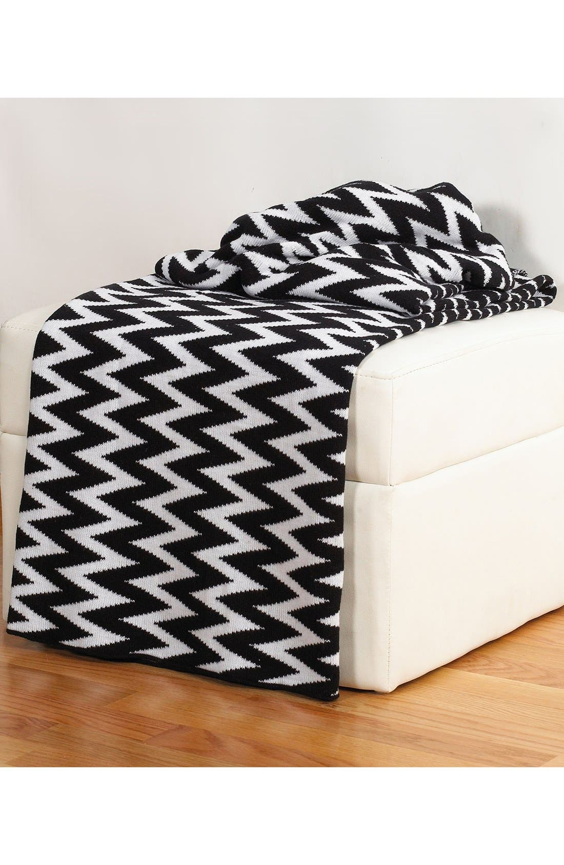 Alternate Image 1 Selected - Rizzy Home Chevron Throw