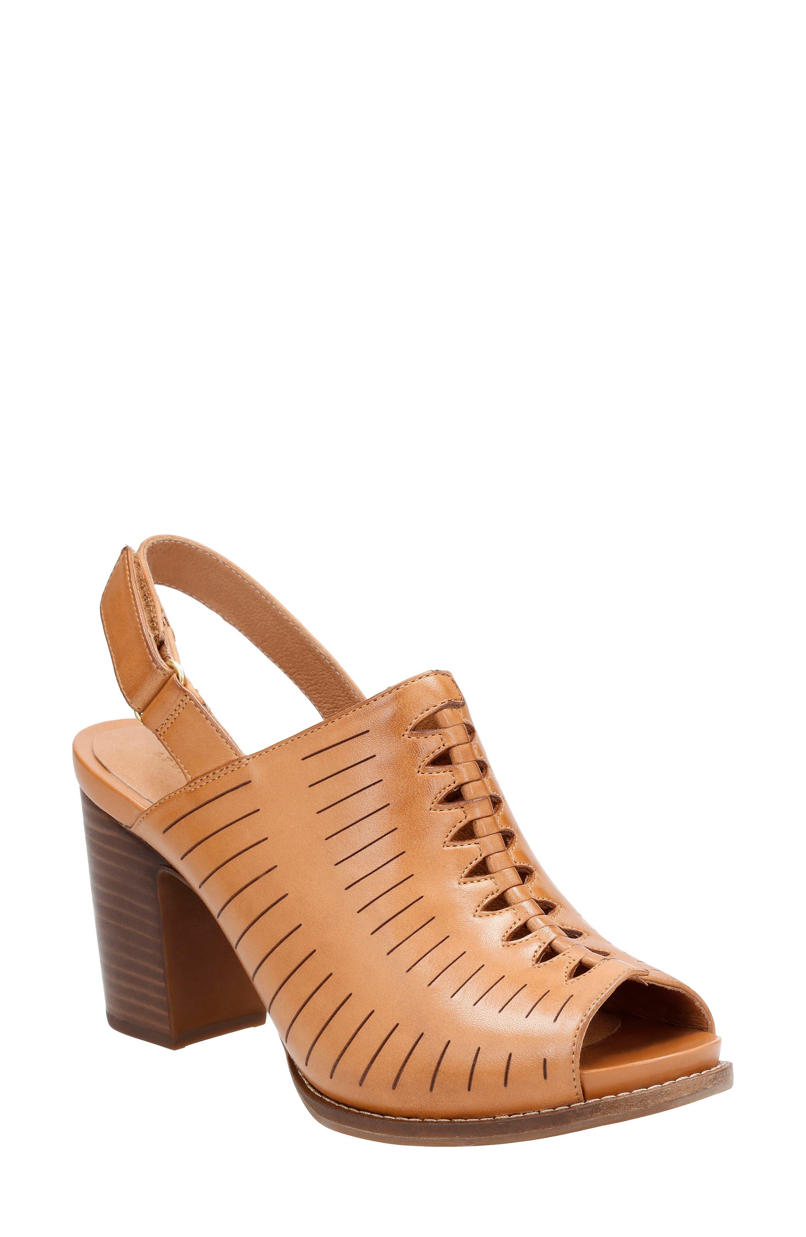 CLARKS® Briatta Key Sandal