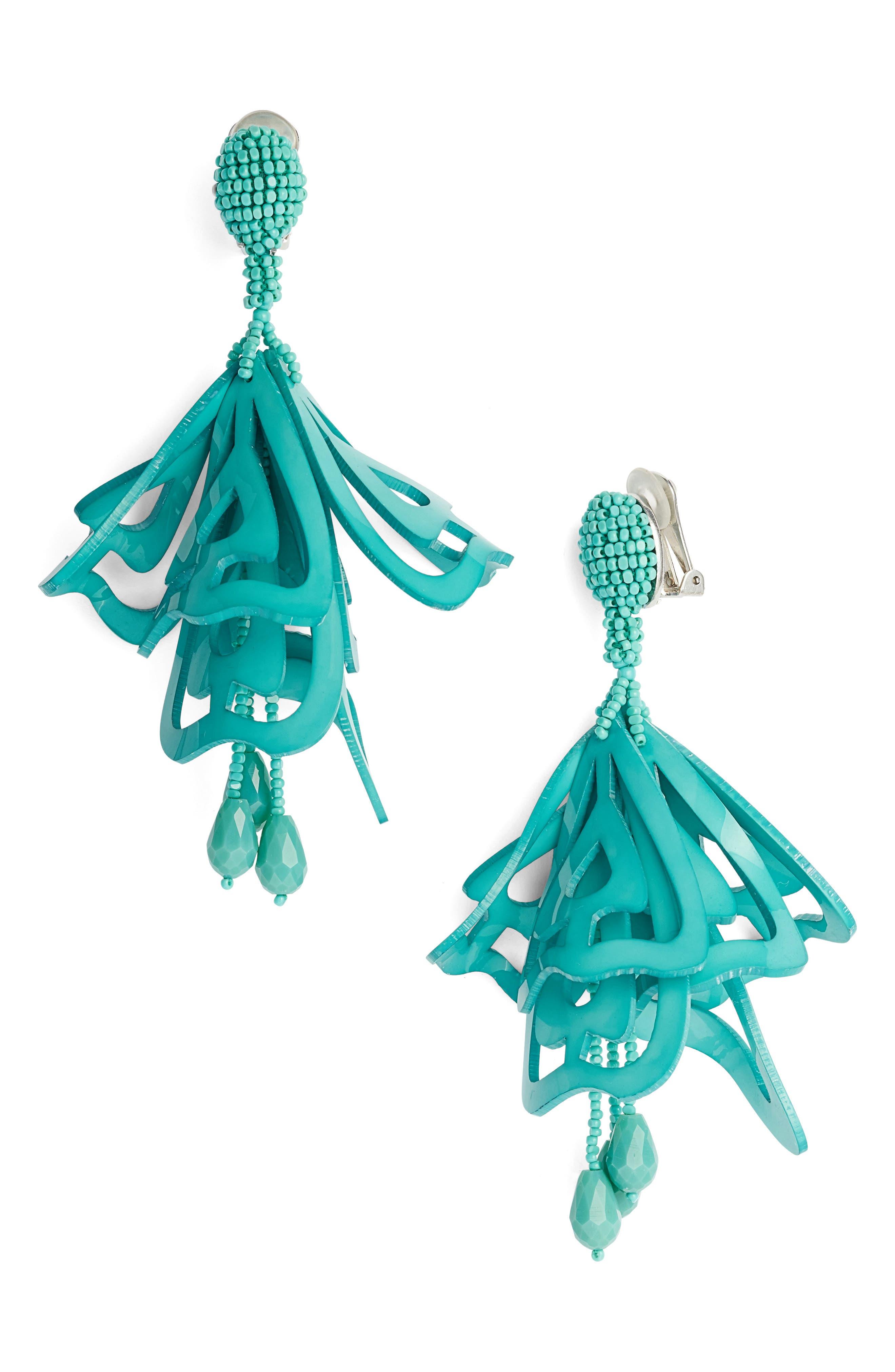 Main Image - Oscar de la Renta Large Lace Impatiens Clip Earrings