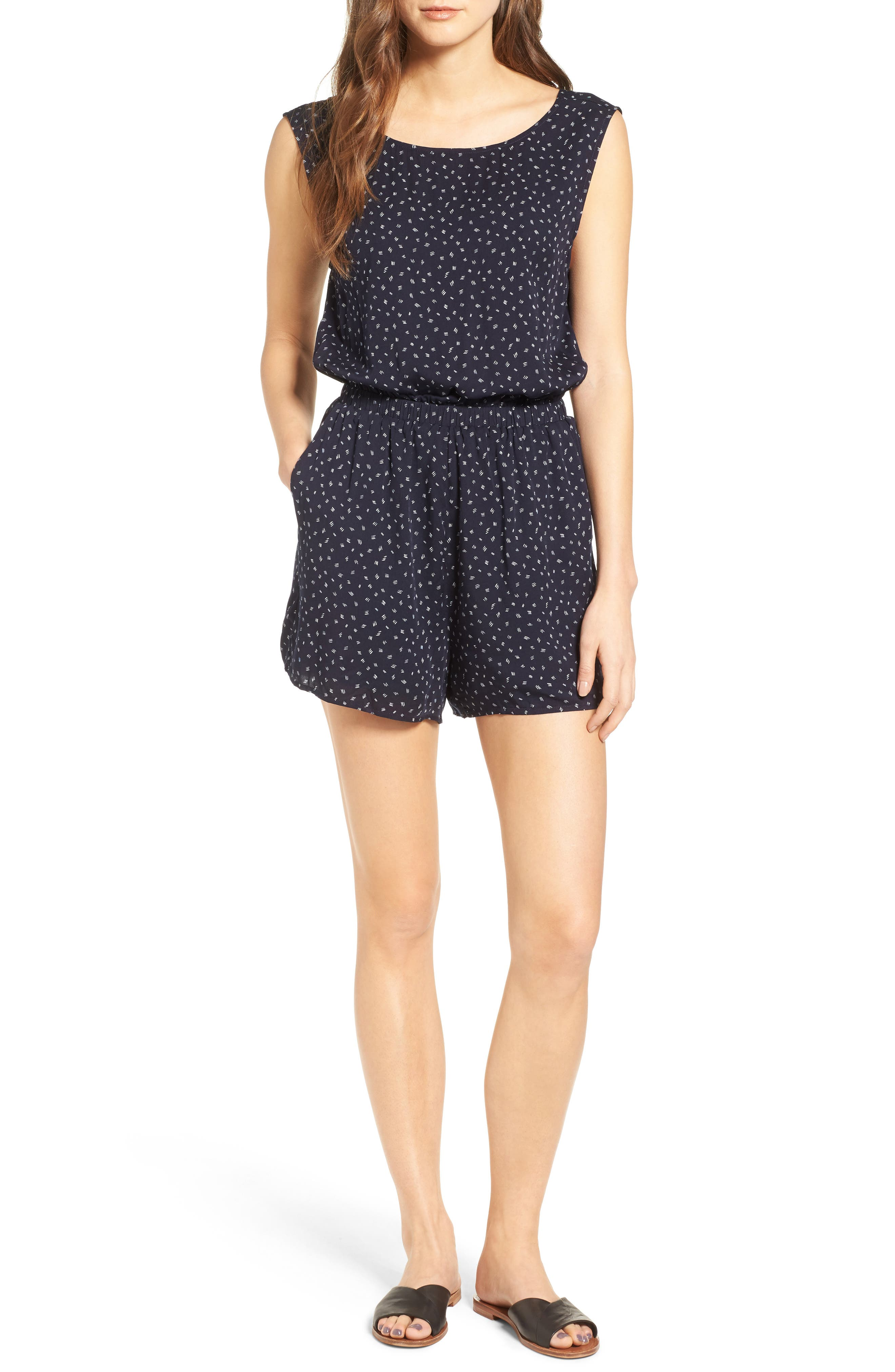 CUPCAKES AND CASHMERE Gianni Button Back Romper