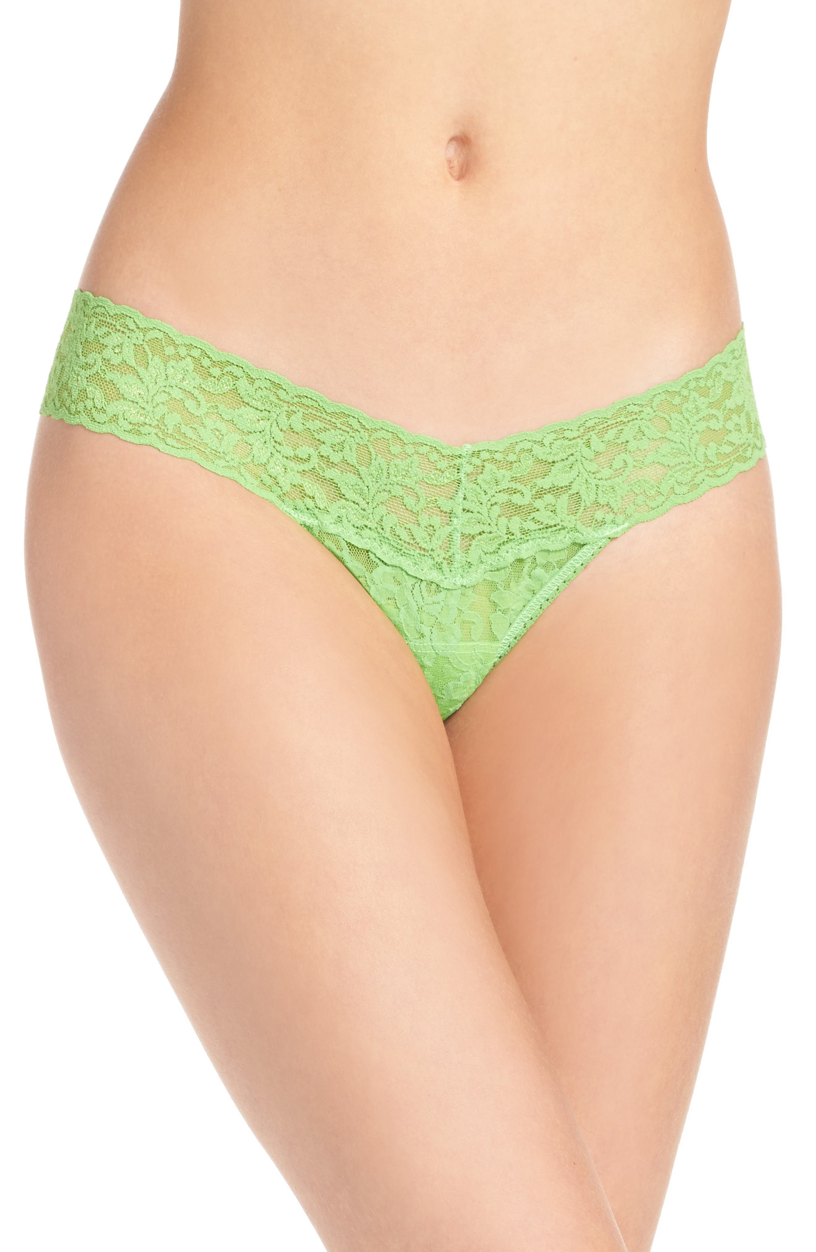Alternate Image 1 Selected - Hanky Panky 'Signature Lace' Low Rise Thong