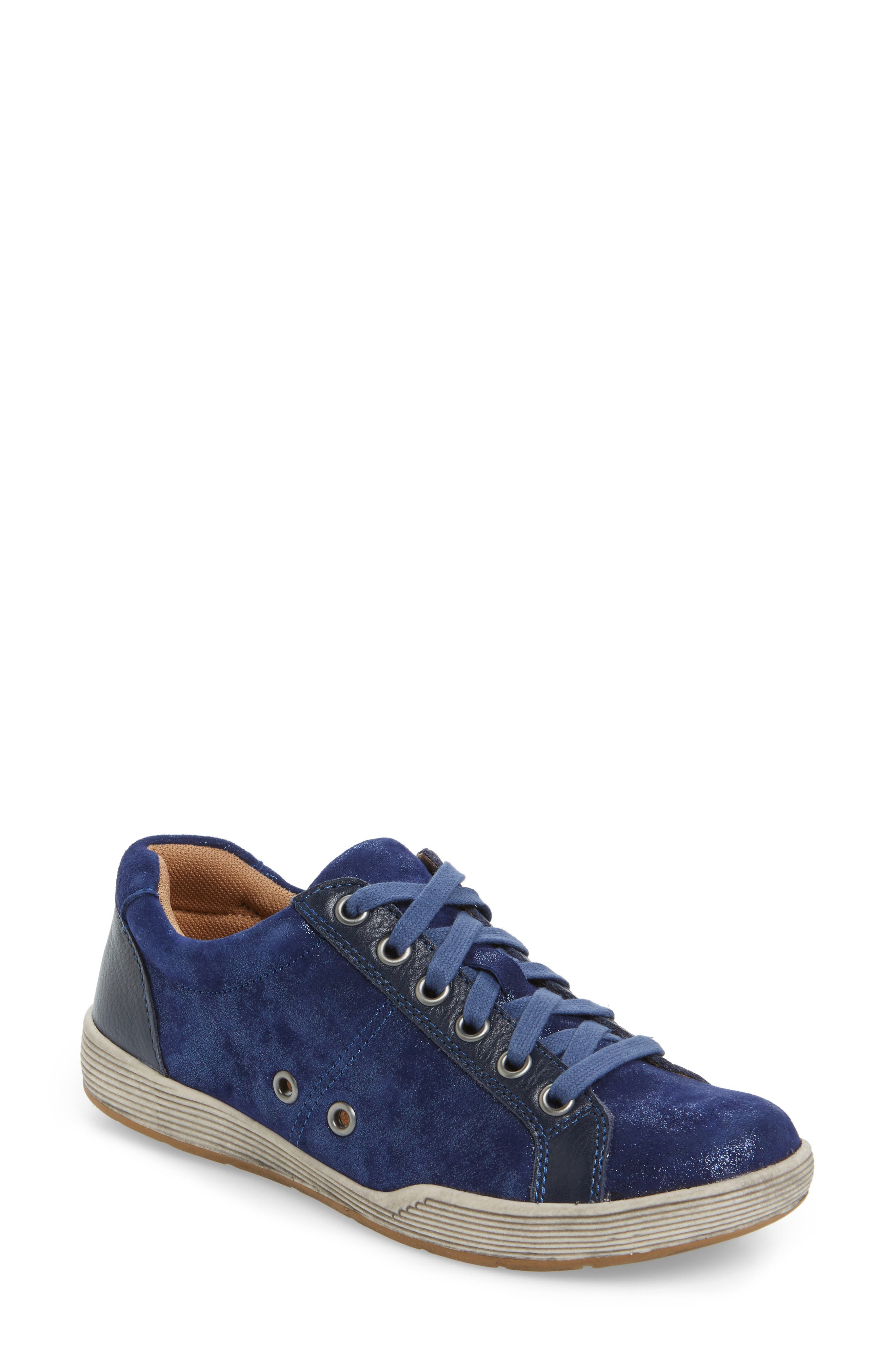 Comfortiva Lyons Low-Top Sneaker (Women)