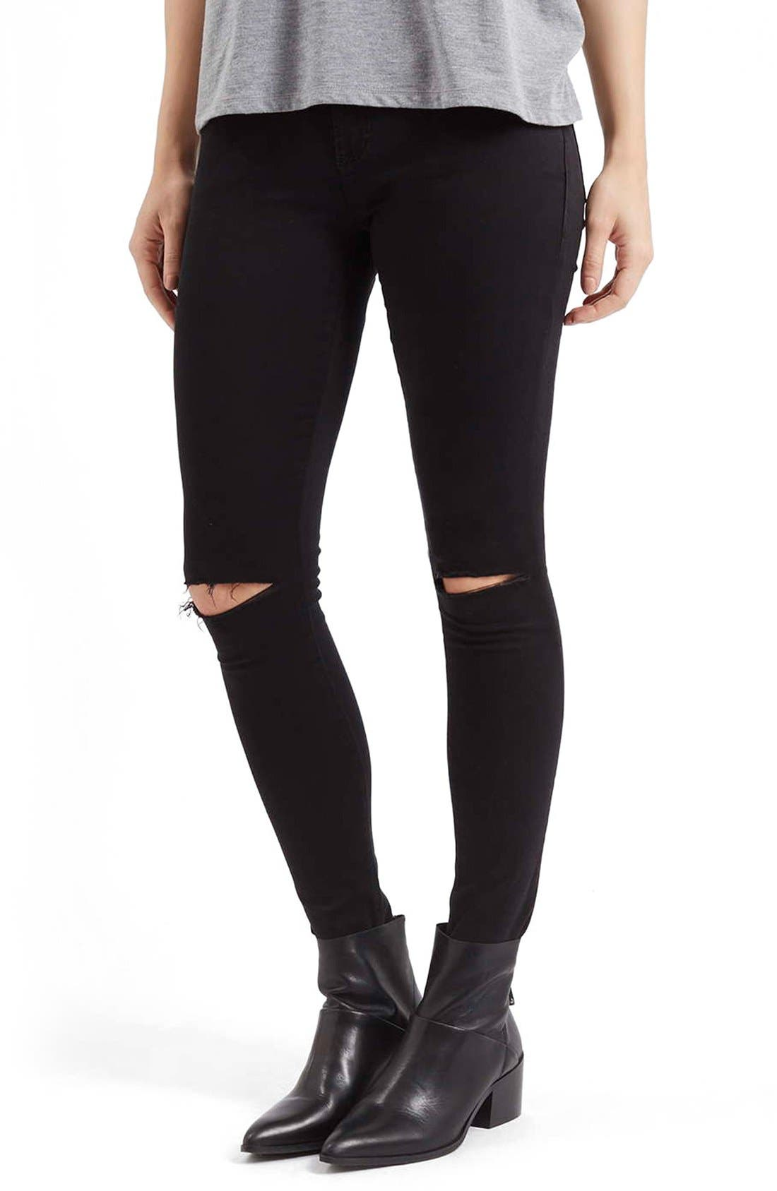 Main Image - Topshop Moto 'Leigh' Ripped Skinny Jeans (Black)