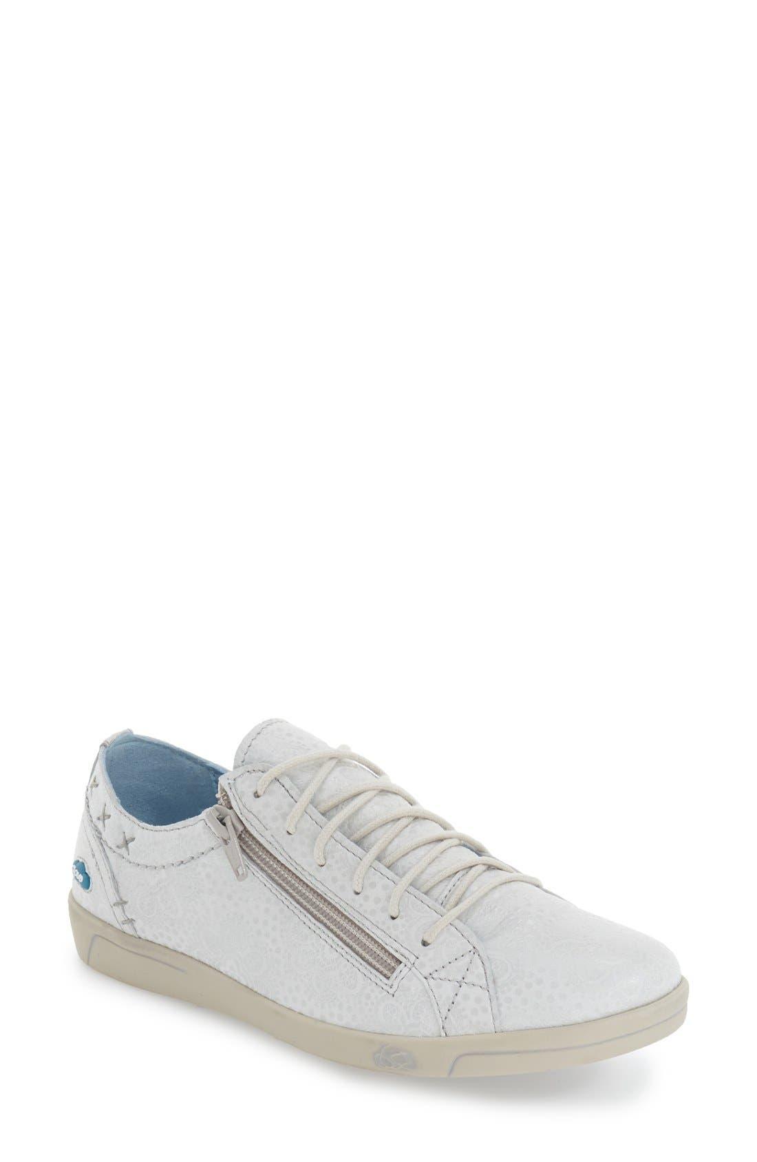 CLOUD 'Aika' Leather Sneaker (Women)