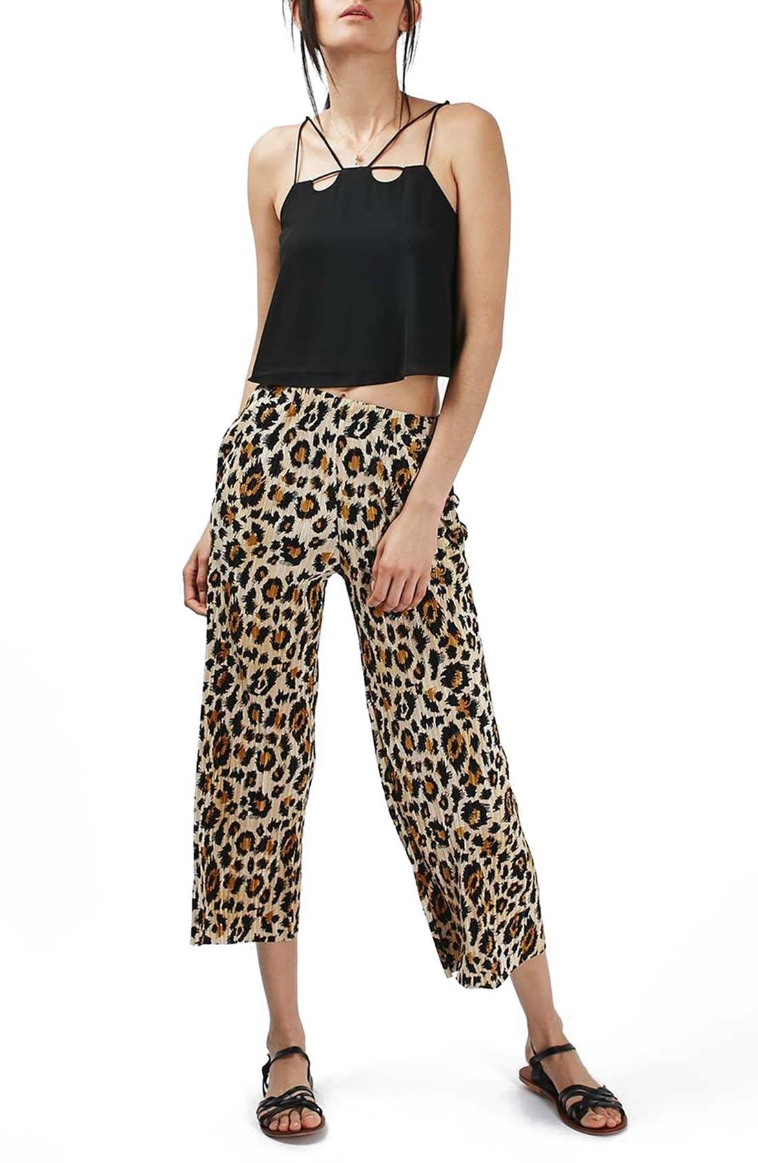 Main Image - Topshop Plissé Pleat Crop Trousers