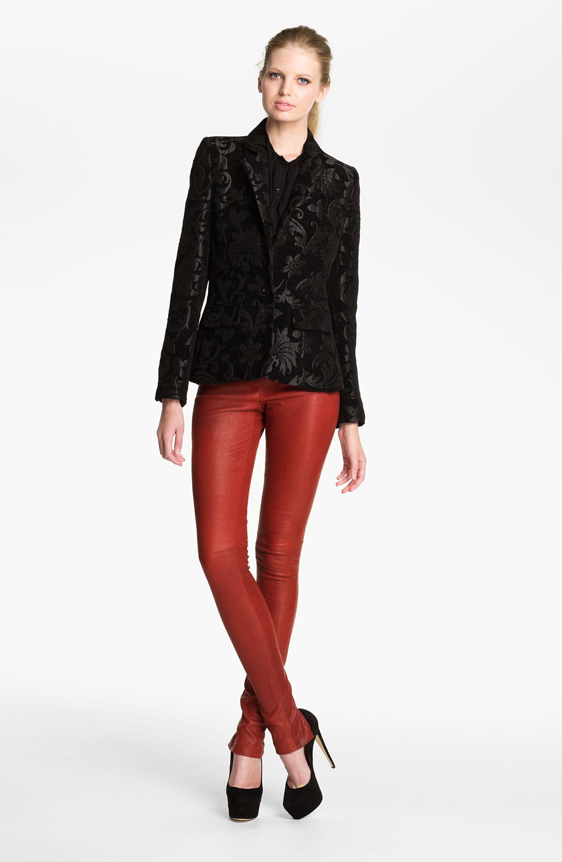 Alternate Image 1 Selected - Alice + Olivia 'Elyse' Metallic Brocade Blazer