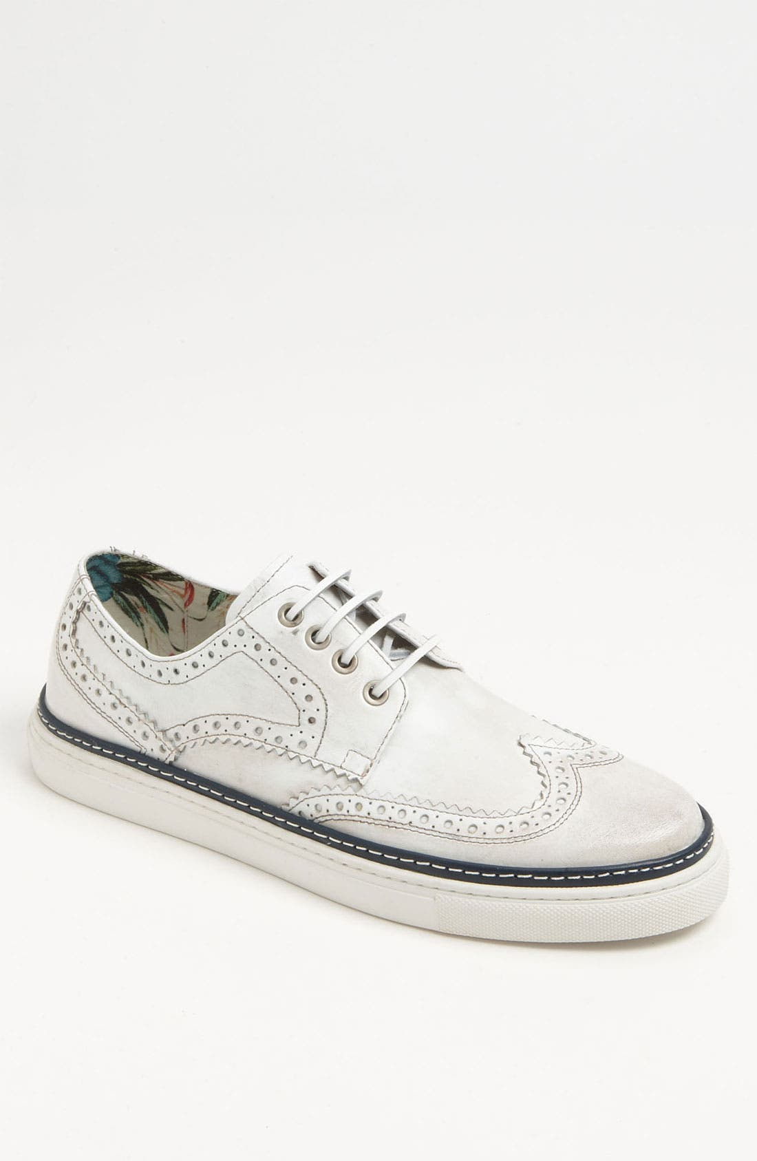 Alternate Image 1 Selected - Vince Camuto 'Spello' Wingtip
