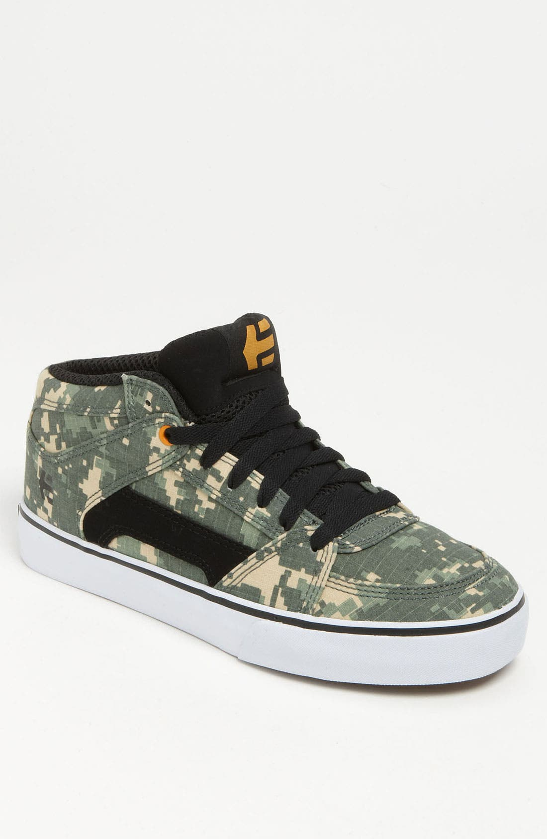 Alternate Image 1 Selected - Etnies 'RVM' Skate Shoe (Men)