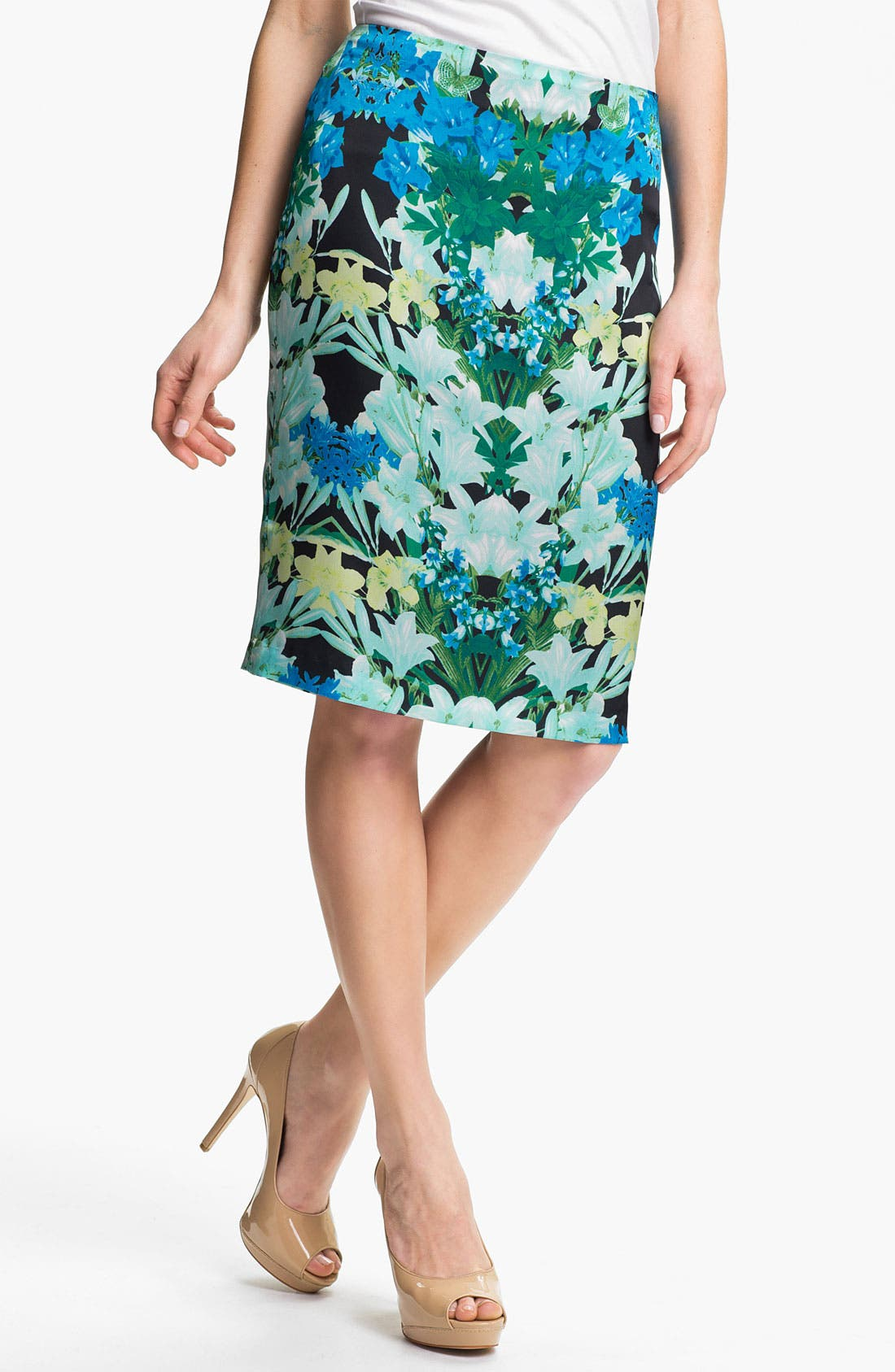 Alternate Image 1 Selected - Vince Camuto 'Spring Garlands' Pencil Skirt