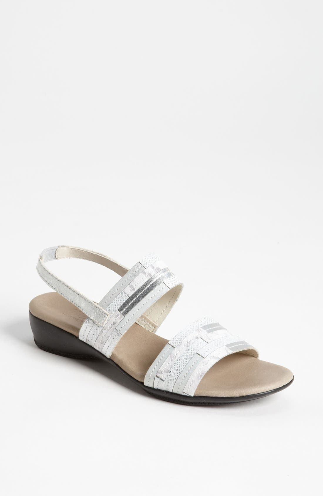 Alternate Image 1 Selected - Munro 'Tangier' Sandal