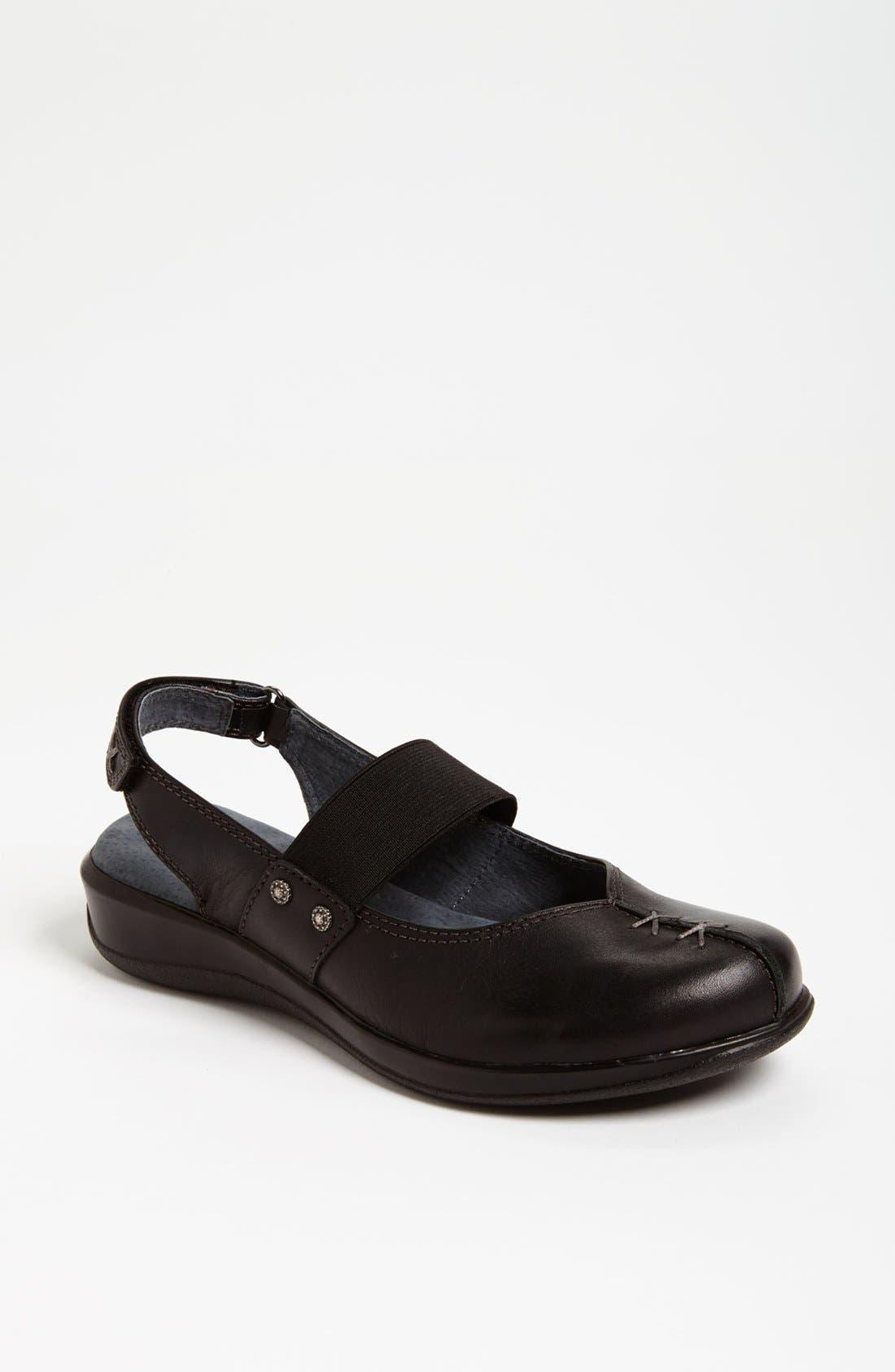 Alternate Image 1 Selected - SoftWalk® 'Tomale' Sandal