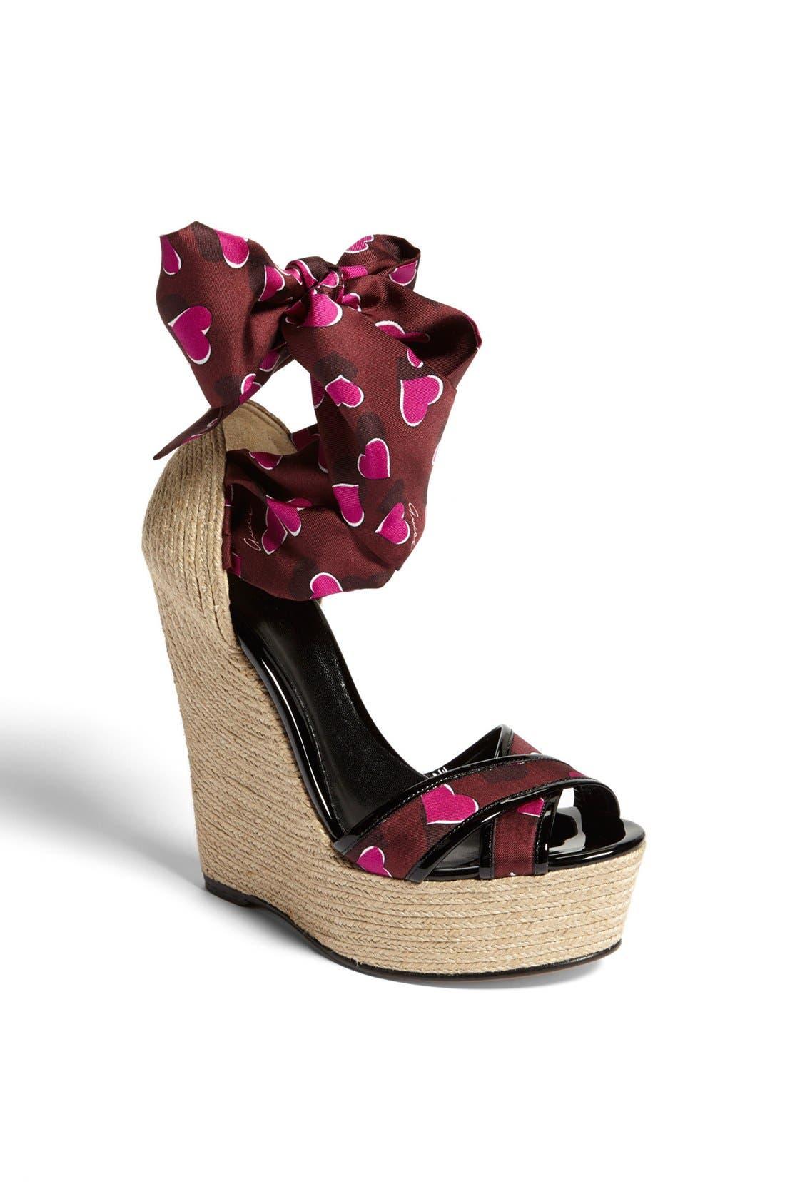 Alternate Image 1 Selected - Gucci 'Carolina' Print Espadrille Wedge Sandal